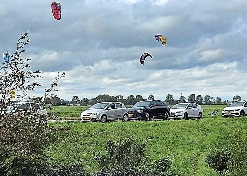 Schellinkhout wordt zoetjesaan 'te populair' bij kitesurfers