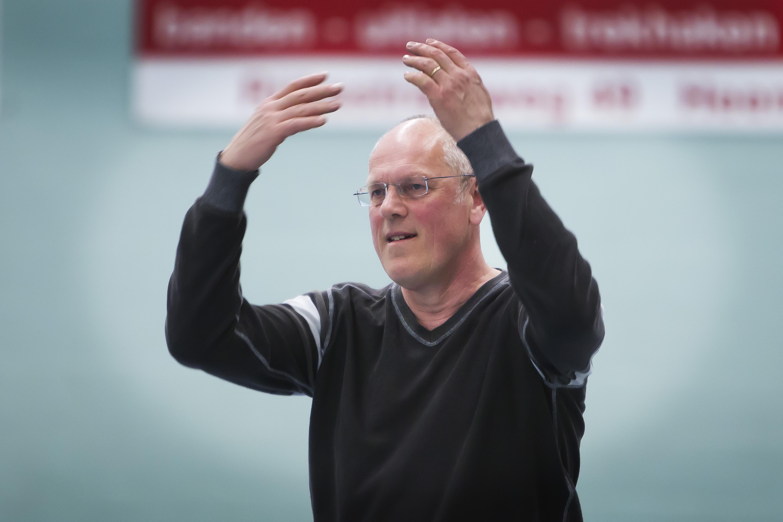 Basketballers moeten na kerst beter zijn dan er voor zegt coach Bert Samson die aan de slag gaat bij The Hague Royals
