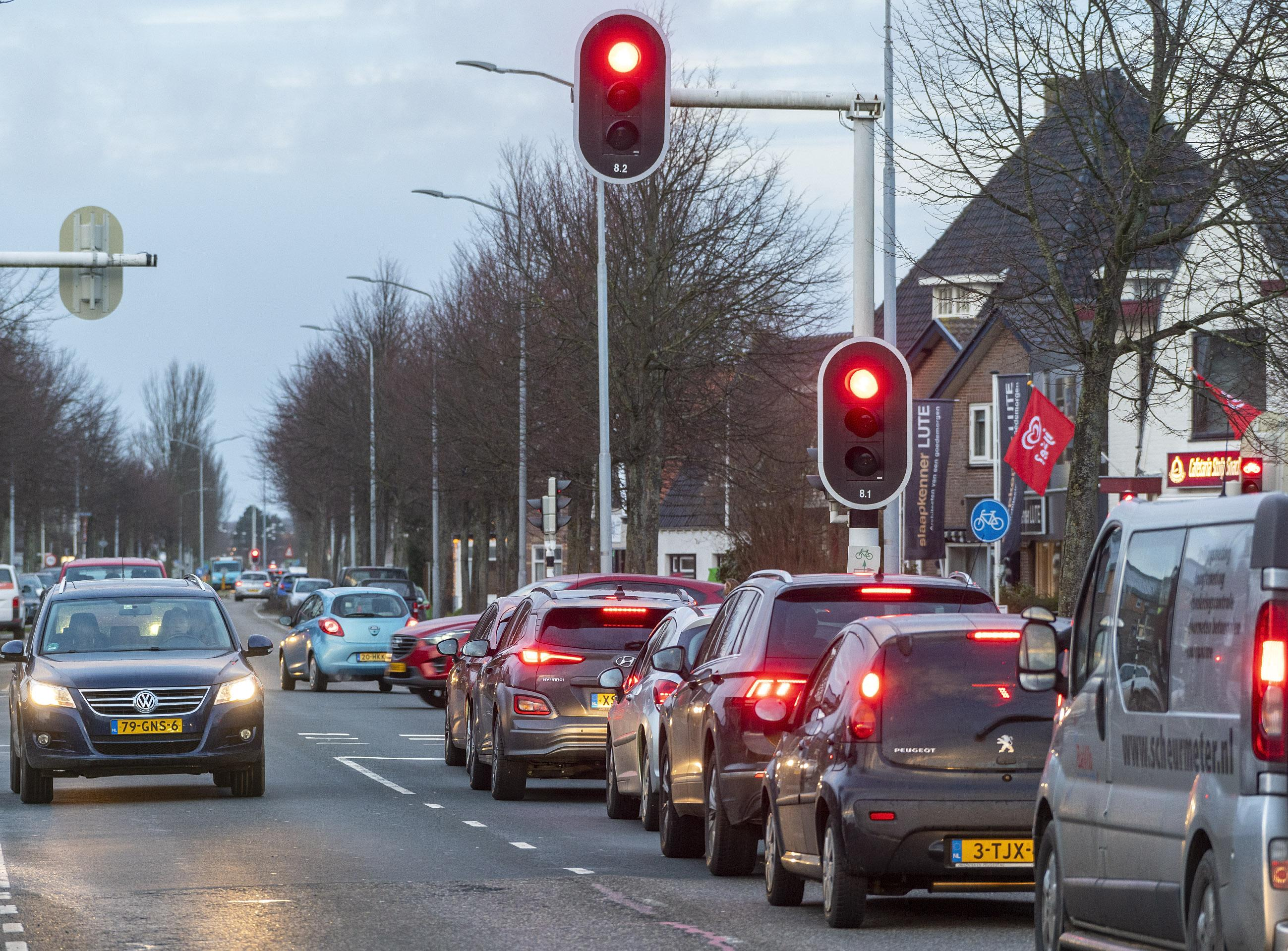Woningbouw gaat gestaag door, afslag A9 is er nog niet: de Rijksweg in Limmen gaat vollopen