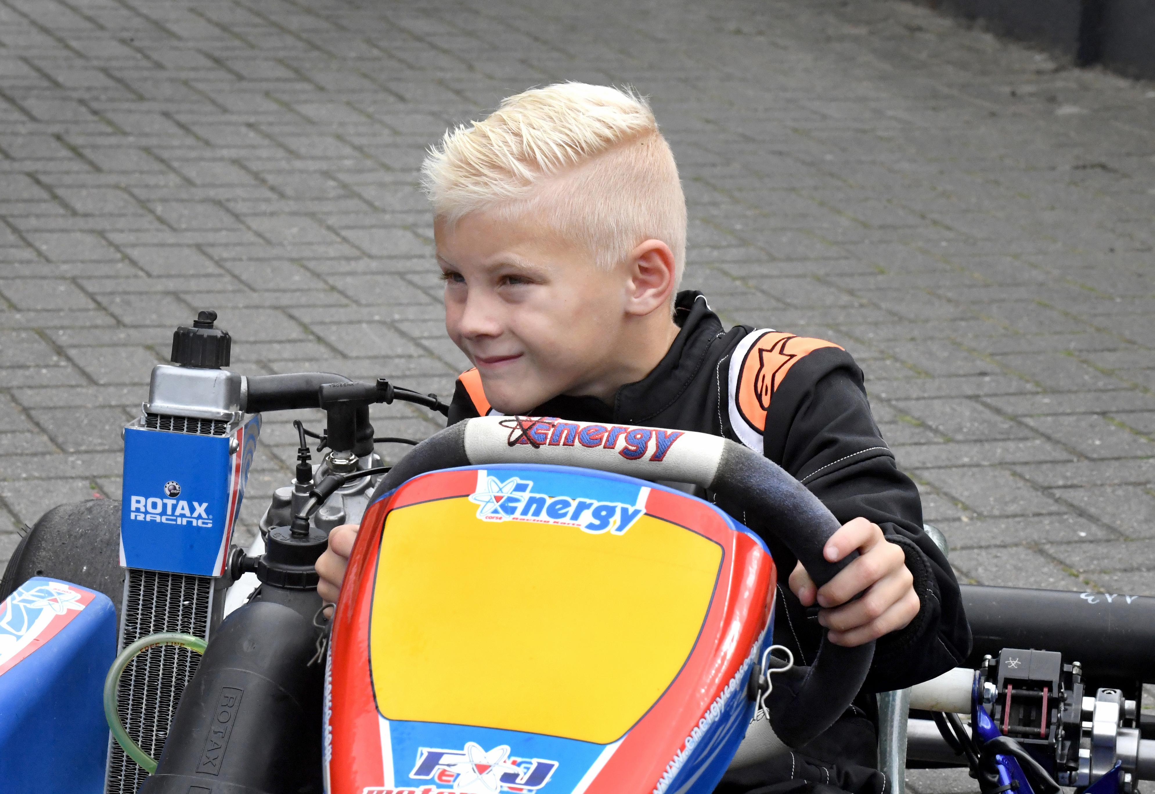 Nu Brent (6) niet meer kan racen met zijn stockcar stapt hij in een wedstrijdkart, dus twee keer per week trainen in Lelystad