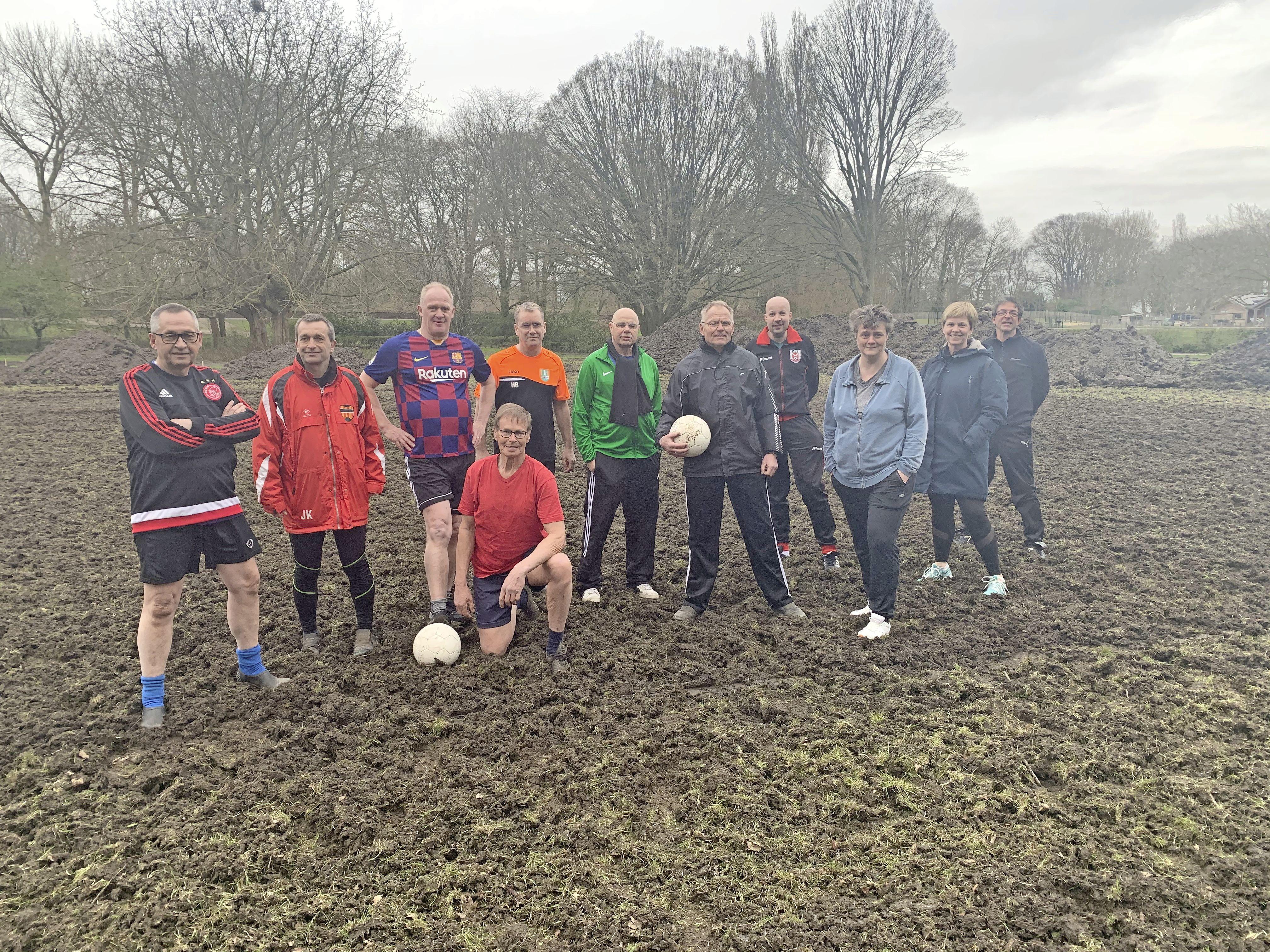 Enkhuizen ploegt 'voetbalveld' van mannen van de Boksewei om. Na veertig jaar einde aan traditie?