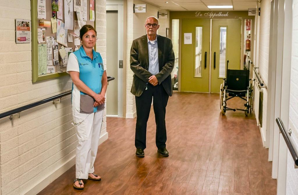Bewoners en personeel verzorgingshuis De Bosman in Venhuizen halen opgelucht adem, na elf doden eindelijk coronavrij: 'Maar morgen kan het weer anders zijn'