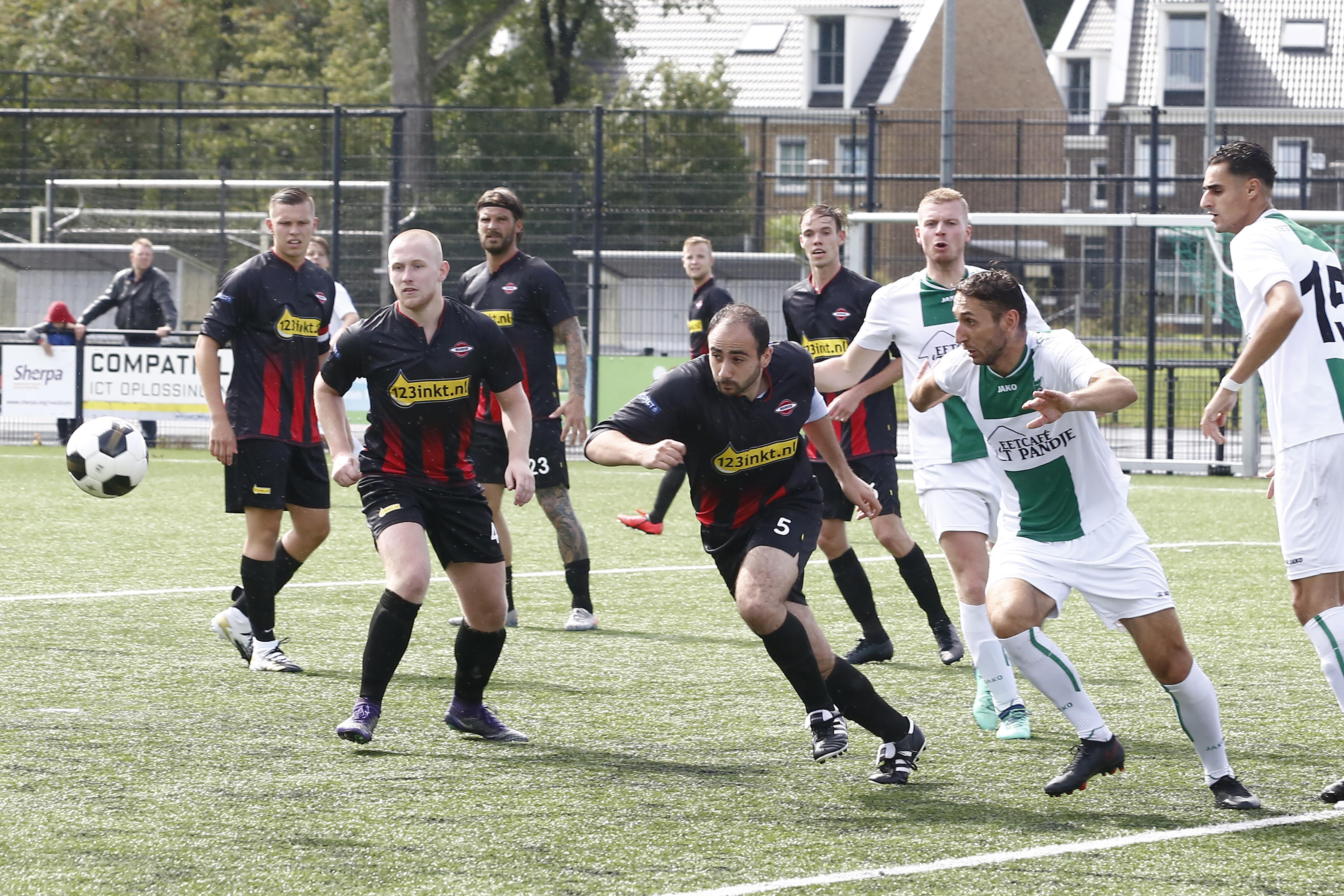 Prachtig debuut voor Tsjech in (FC) Hilversumse dienst Peter Palenik: 'We hebben wel even gefeest, ja'