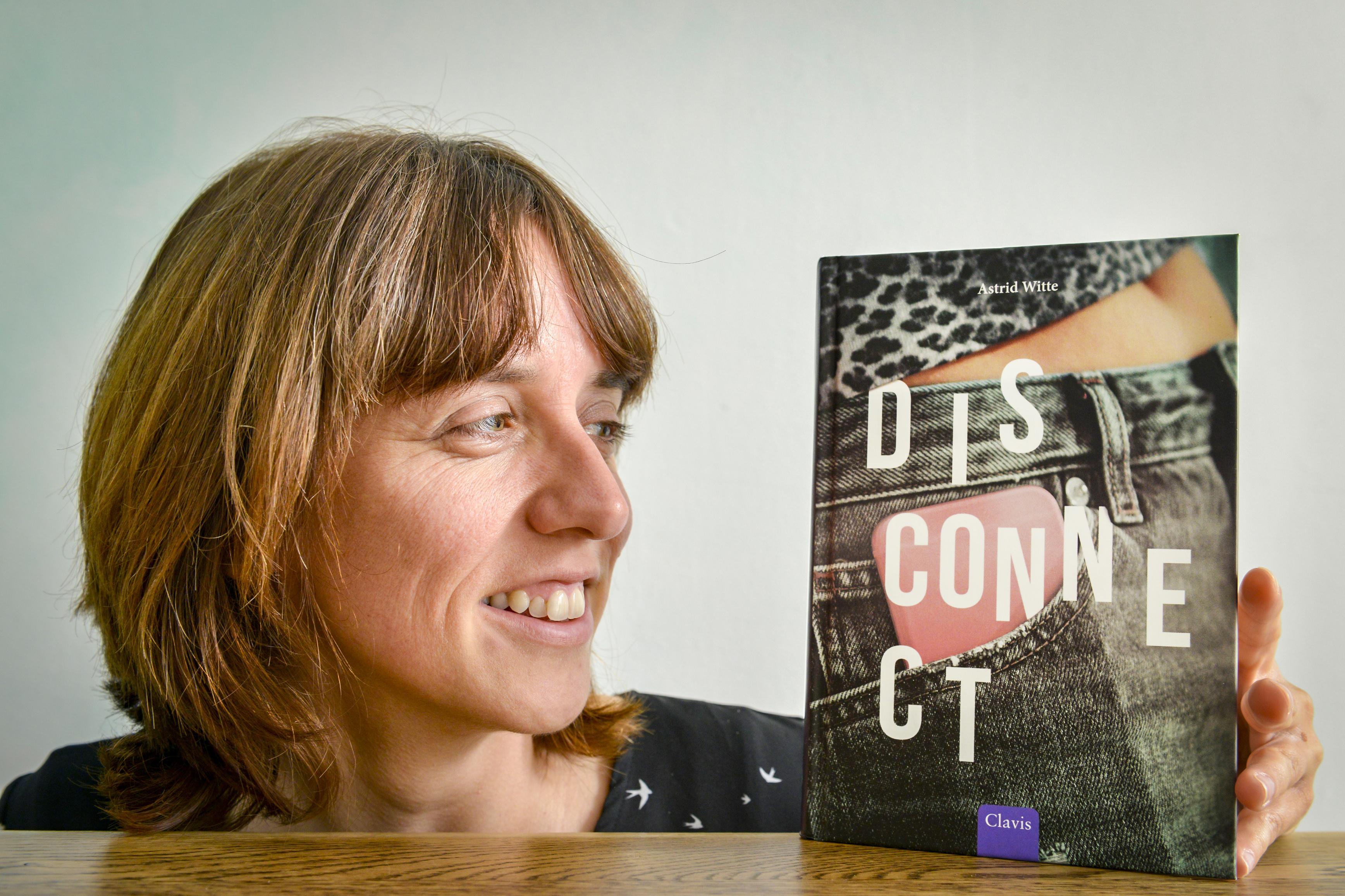 Texelse Astrid Witte is geen prater, maar schrijft aan de lopende band boeken. Liefst voor de internationale markt