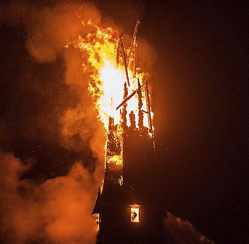 Brand in Laurentiuskerk door storing in bedrading