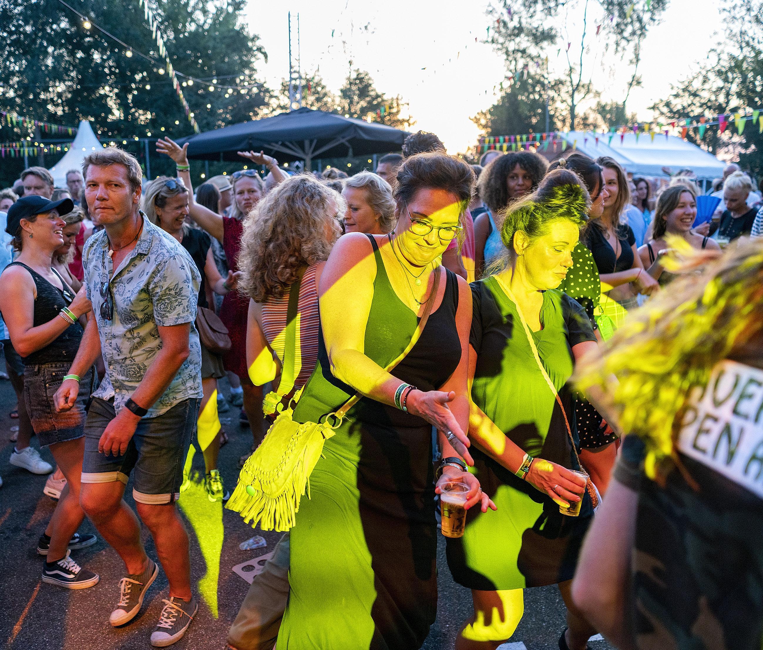 Festival-organisator Steef van Leeuwen dik tevreden. Eerste Taverne Open Air in Bergen vraagt om vervolg