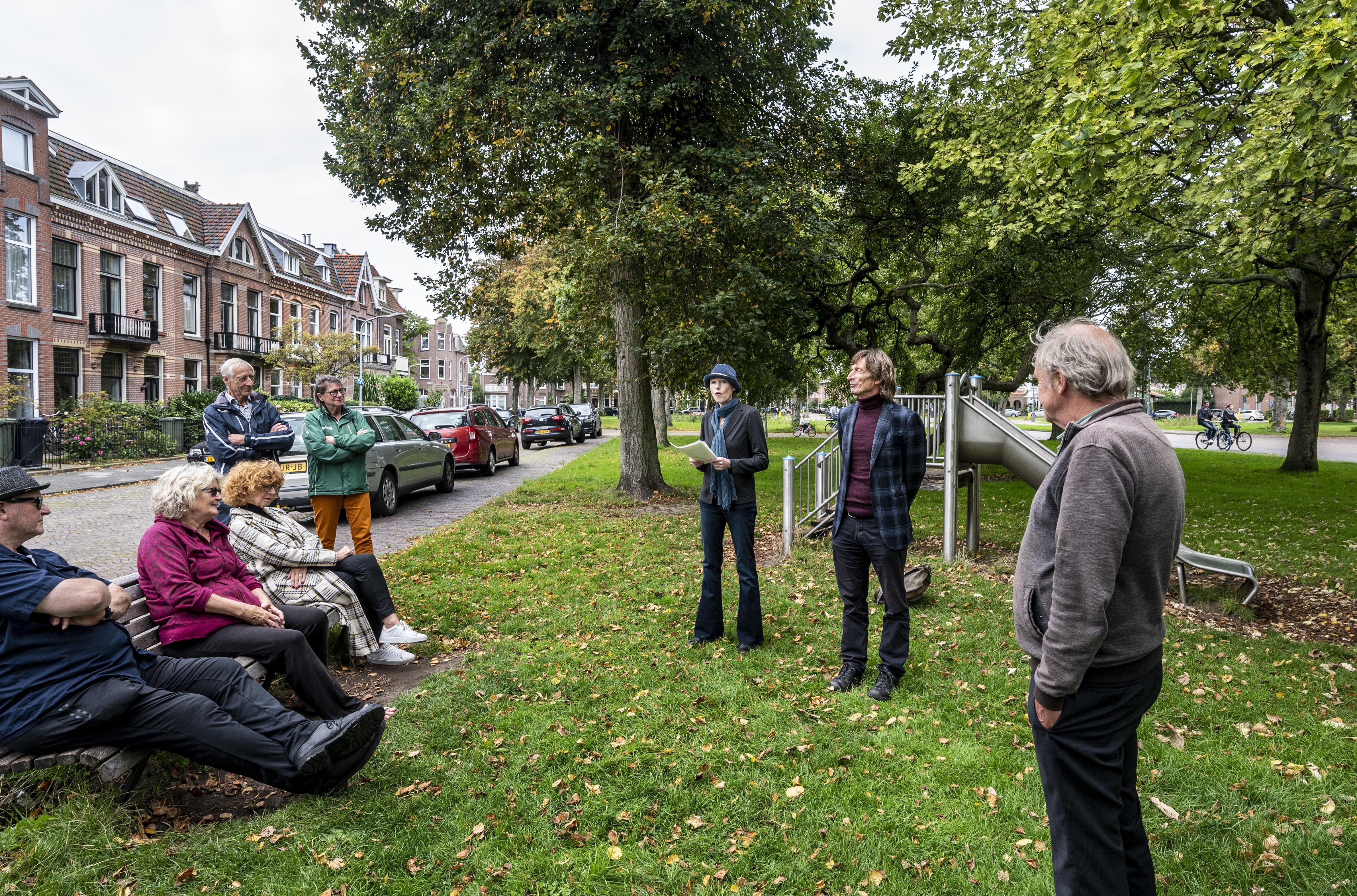 Kleverparkbuurt bezien door letter-ogen, literaire wandeling door de Haarlemse wijk