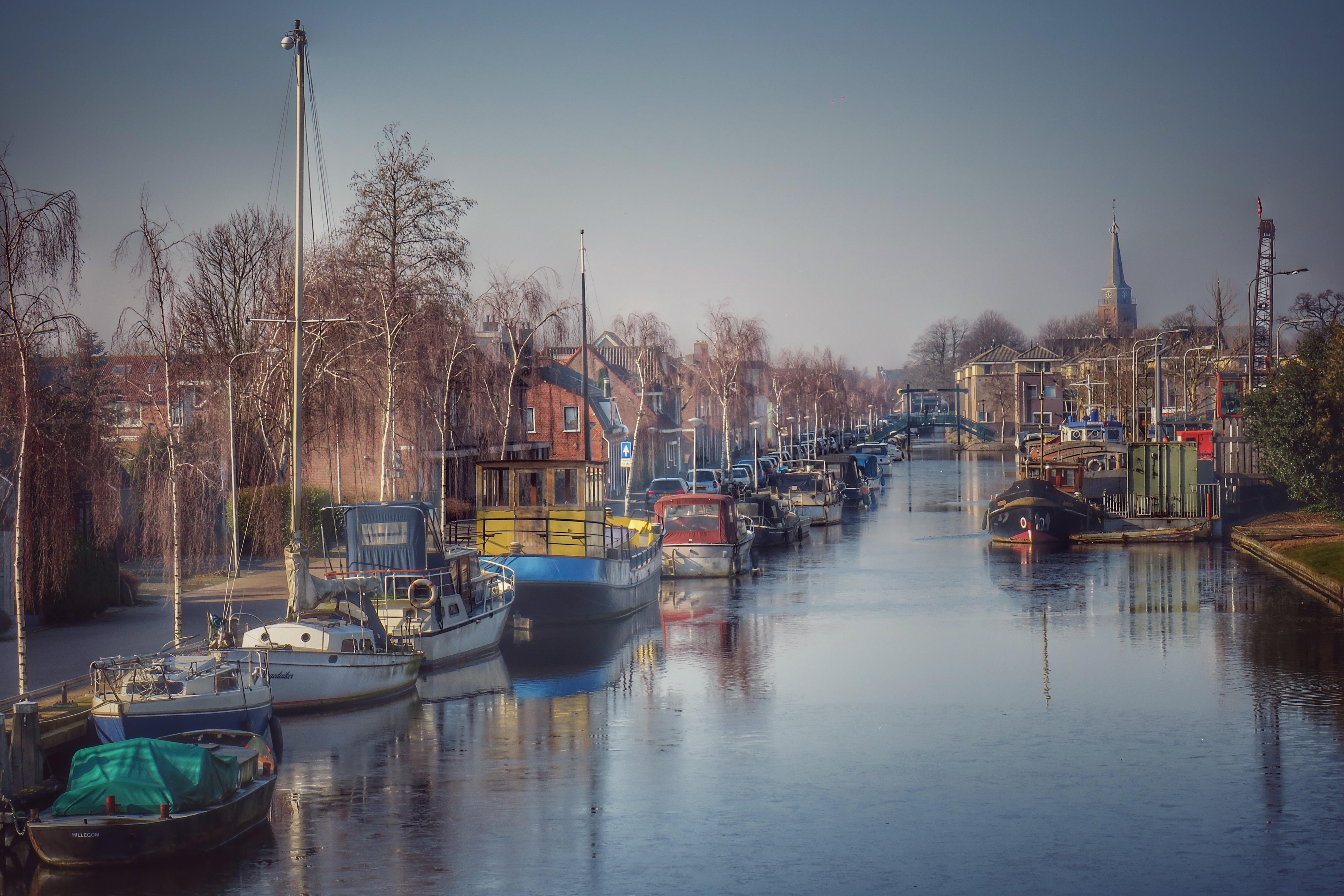 Ongewenste grote boten krijgen nog een jaar respijt in Hillegomse haven