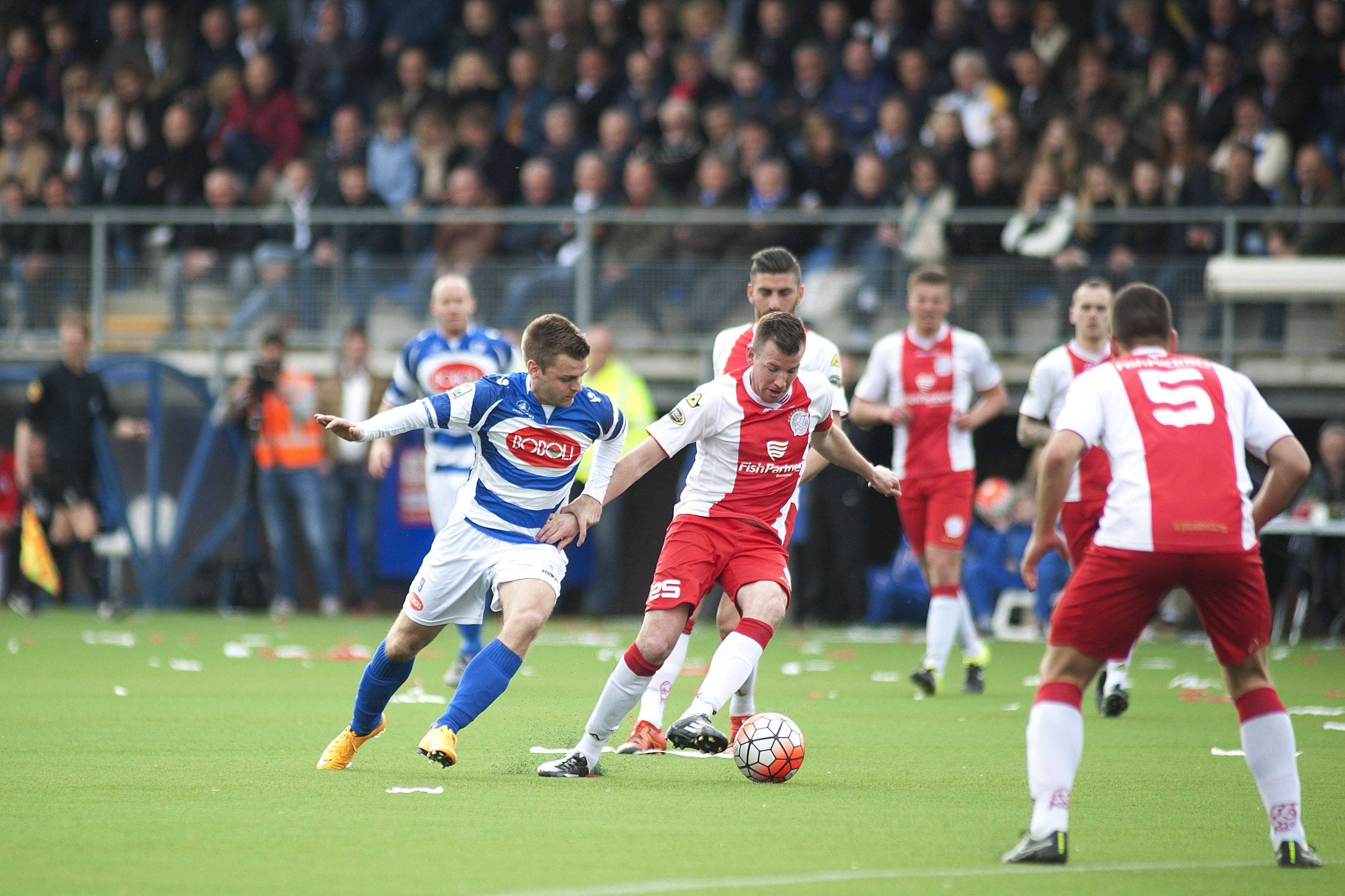 Voormalig IJsselmeervogels-captain Dennis Hollart (37) komt terug van voetbalpensioen en sluit aan bij Eemdijk: 'Als ik een bal zie, wil ik er tegenaan schoppen'
