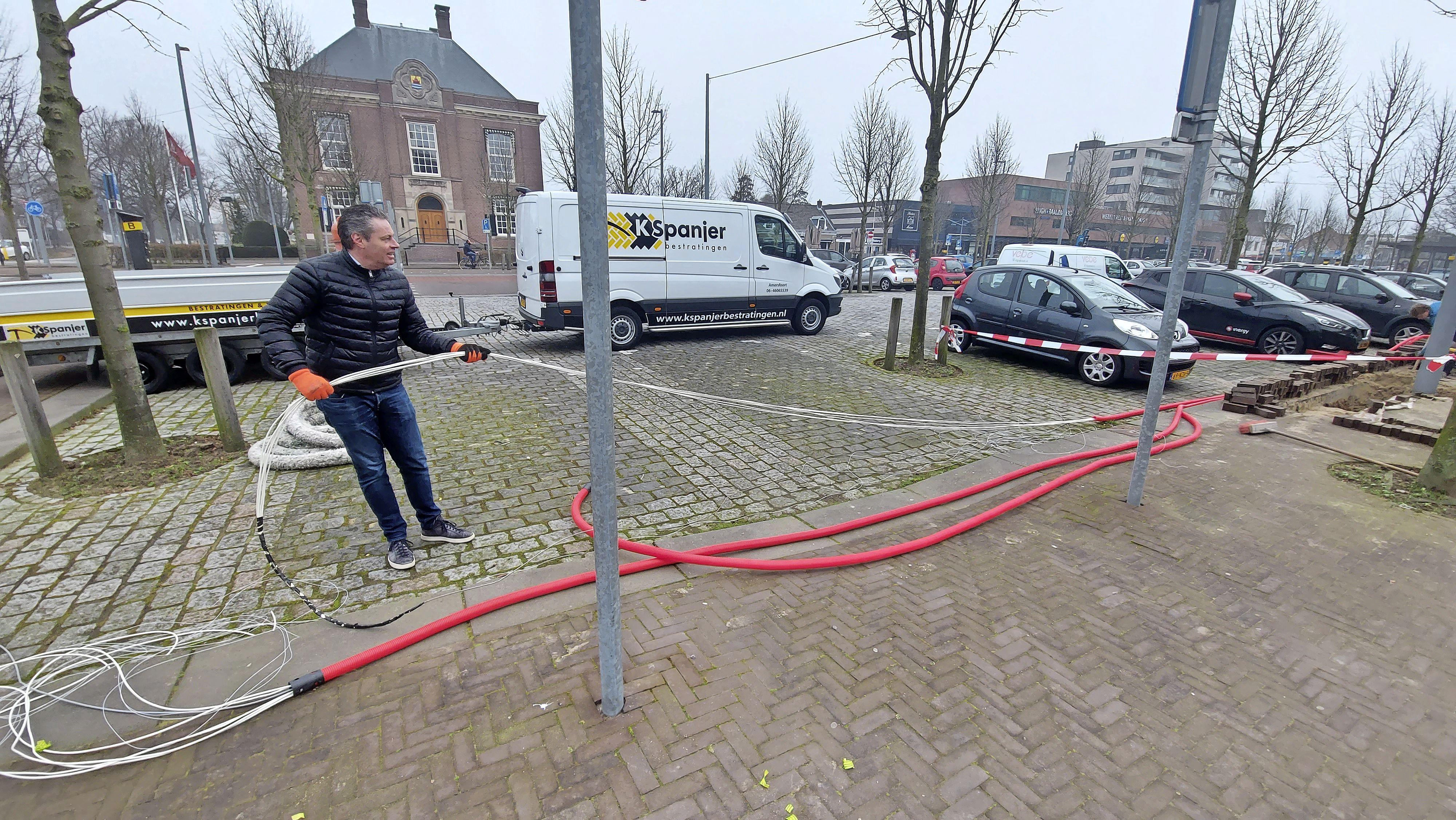 Hoofddorp tweede gemeente in Nederland met een 'slim laadplein' voor e-auto's