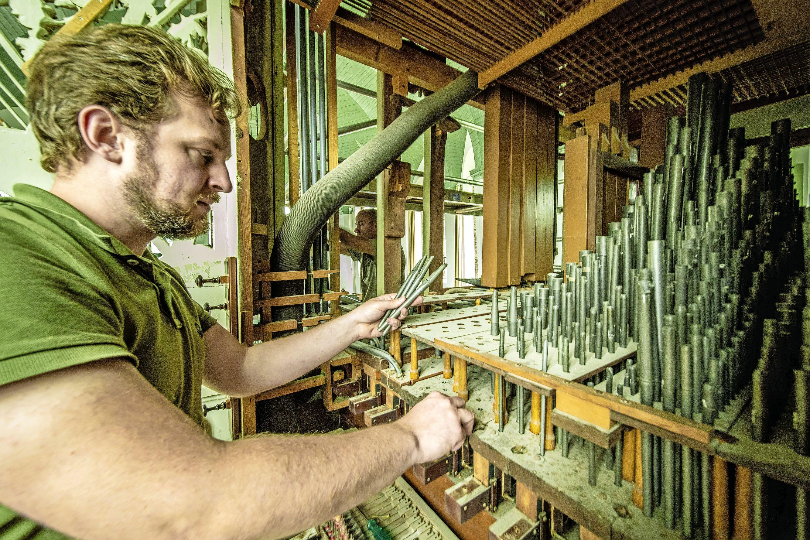 'Zelden een orgel meegemaakt dat zo aan restauratie toe was', klinkt het in de dorpskerk van Woubrugge