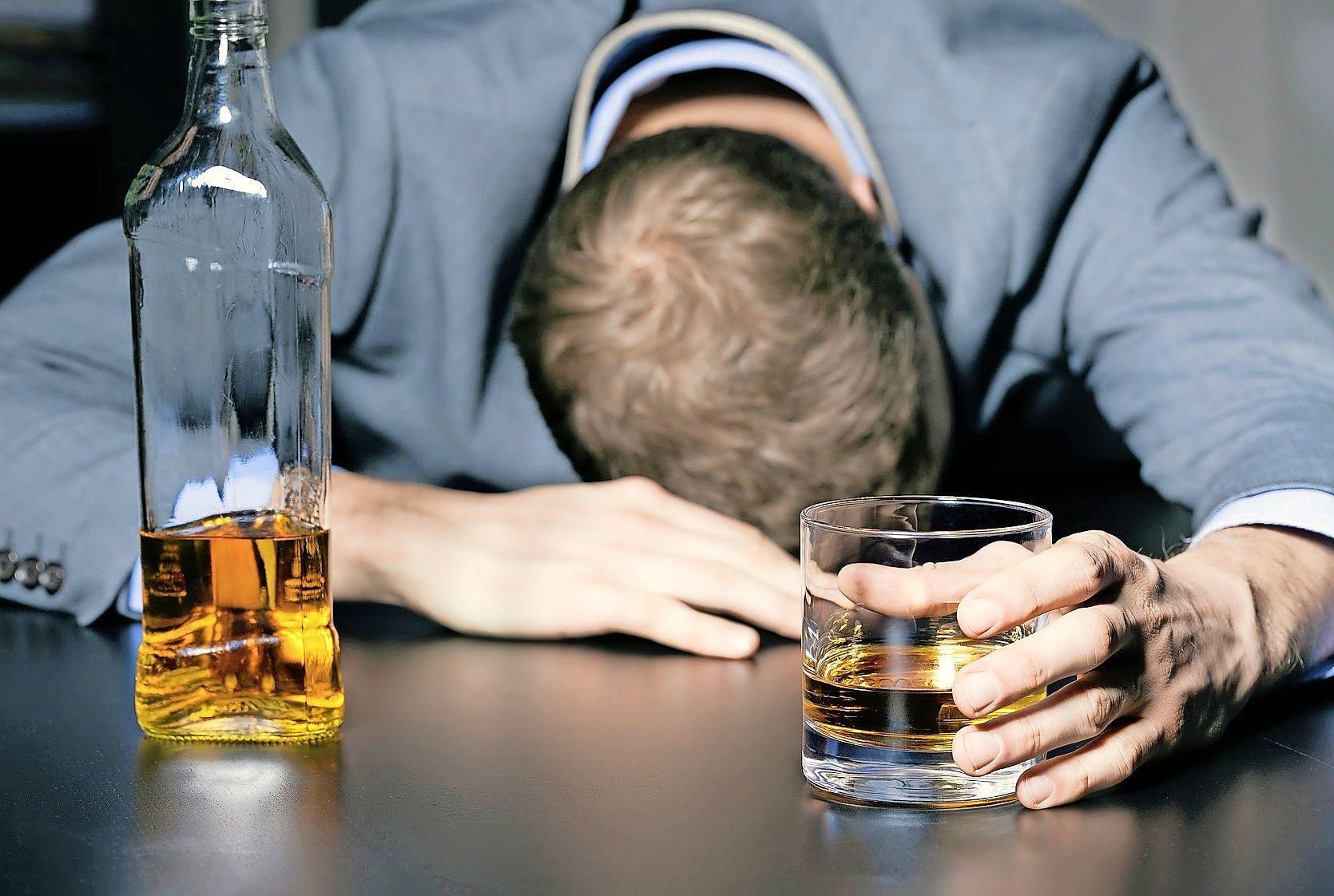 Heemskerker sloeg echtgenote tot bloedens toe met peddel na een paar biertjes en een fles whisky