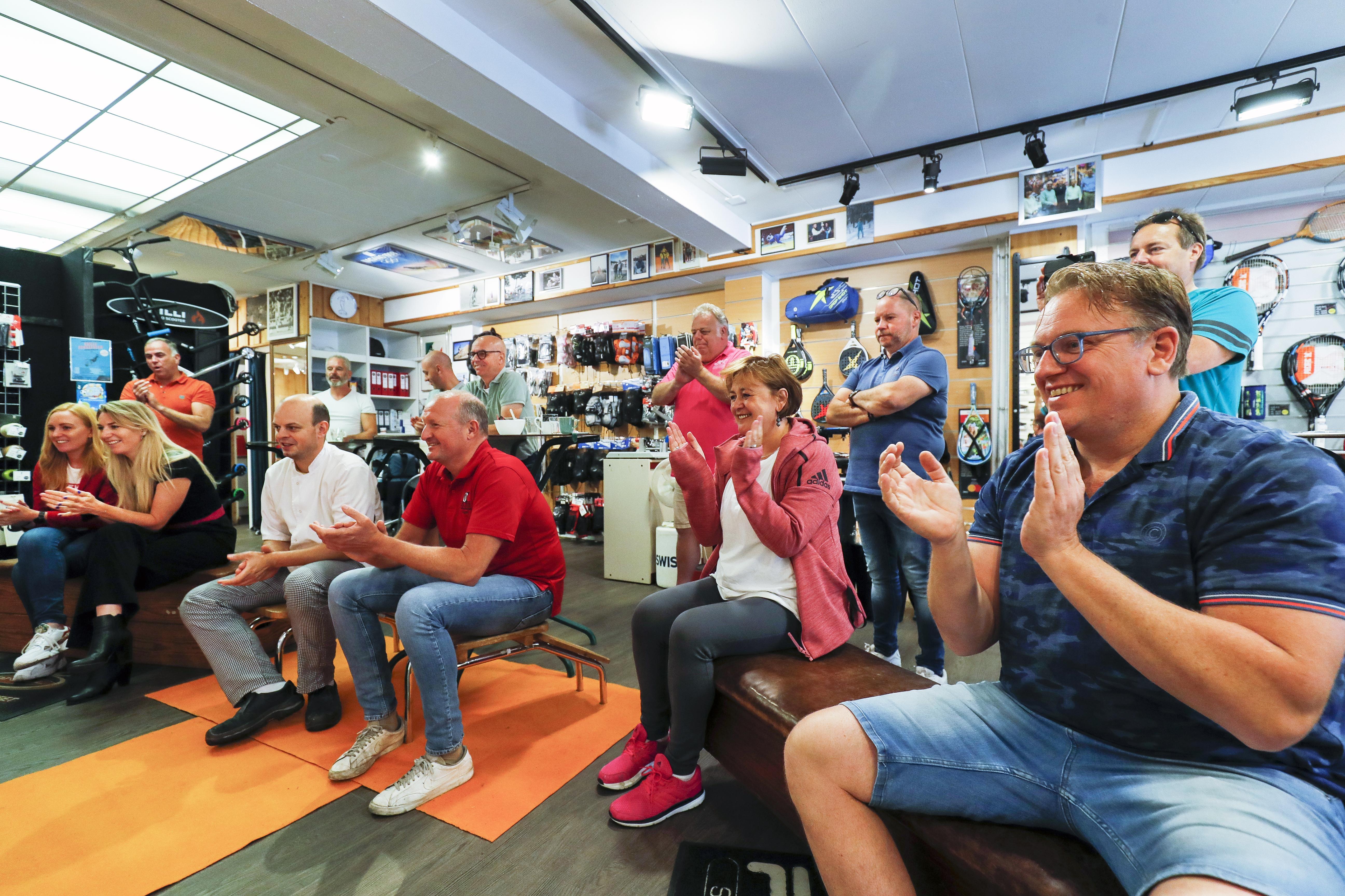 Matthijs Büchli als eerste gouden Velsense olympiër nu al geëerd: 'Kijk die bovenbenen'