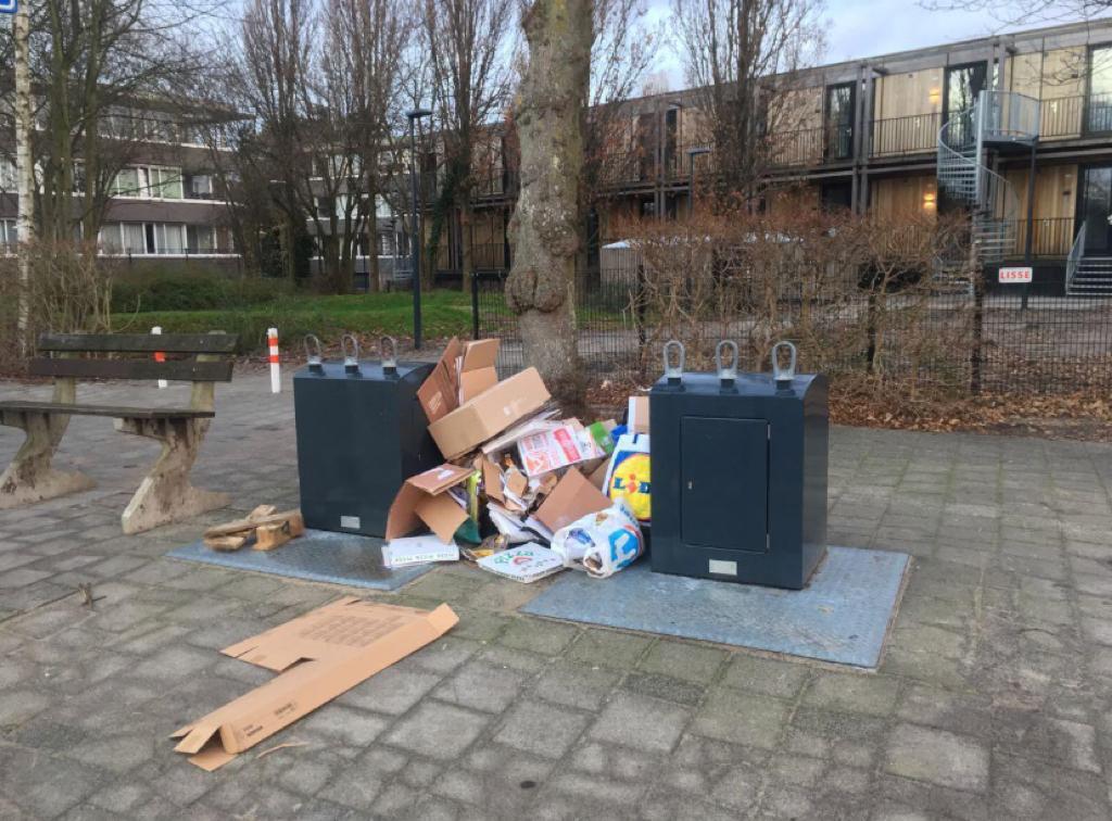 Alle hens aan dek voor de inzameling van oud papier en karton in Leiden