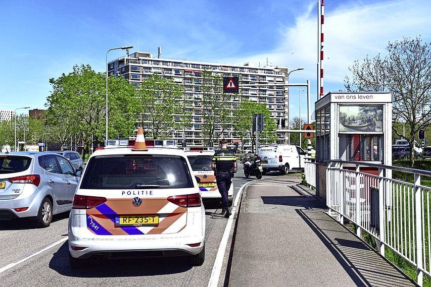 File op het Lammenschansplein in Leiden door kop-staartbotsing