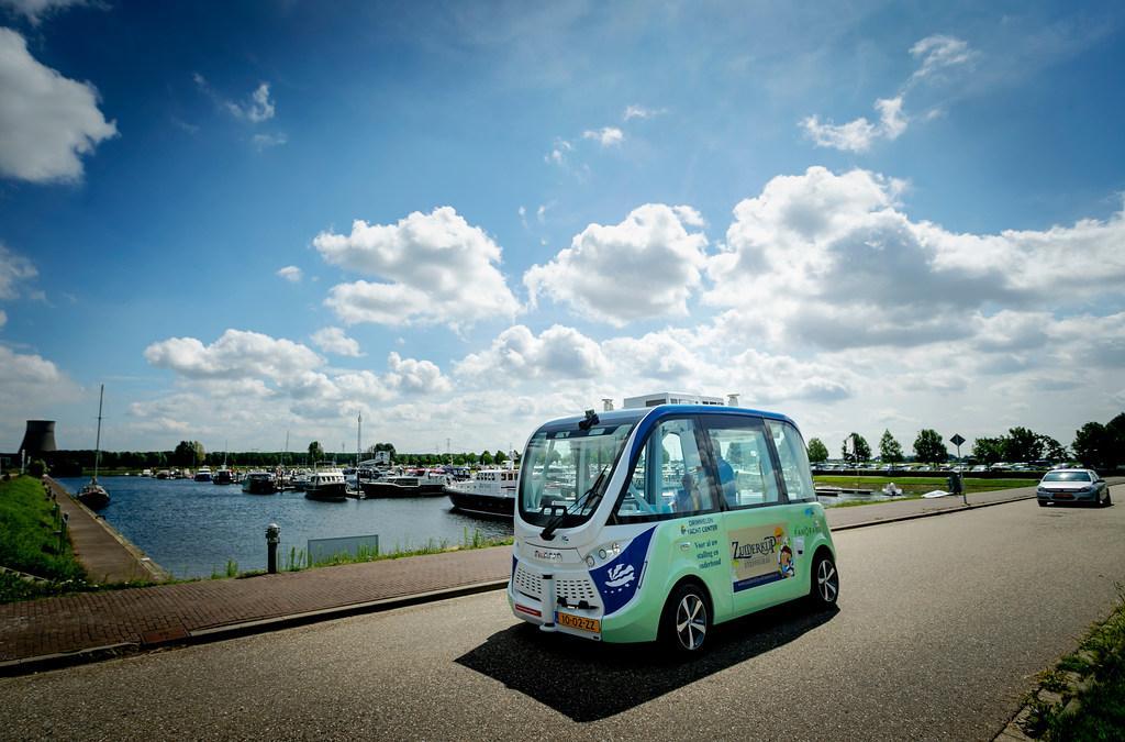 Soesterbergs plan voor zelfrijdende smartbus op zonne-energie voor verbetering openbaar vervoer; 'Voor 30 euro per jaar onbeperkte ritjes met de shuttle'