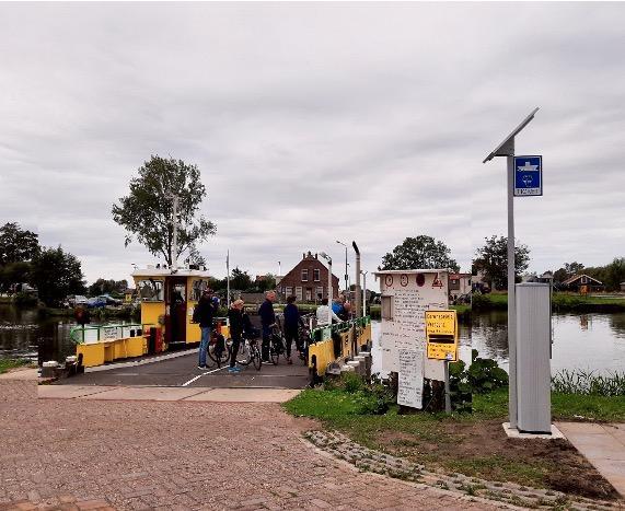 Kaartautomaat voor fietsers bij pontje van Akersloot, om vertragingen te voorkomen