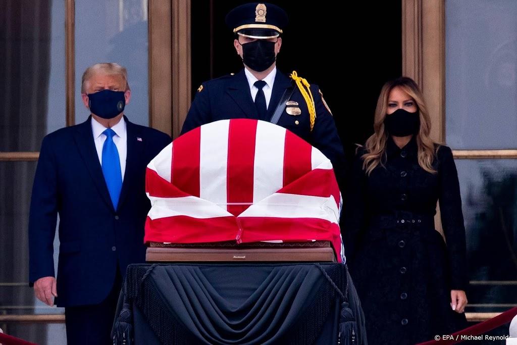 Spreekkoren tegen Trump bij betuiging laatste eer aan Ginsburg
