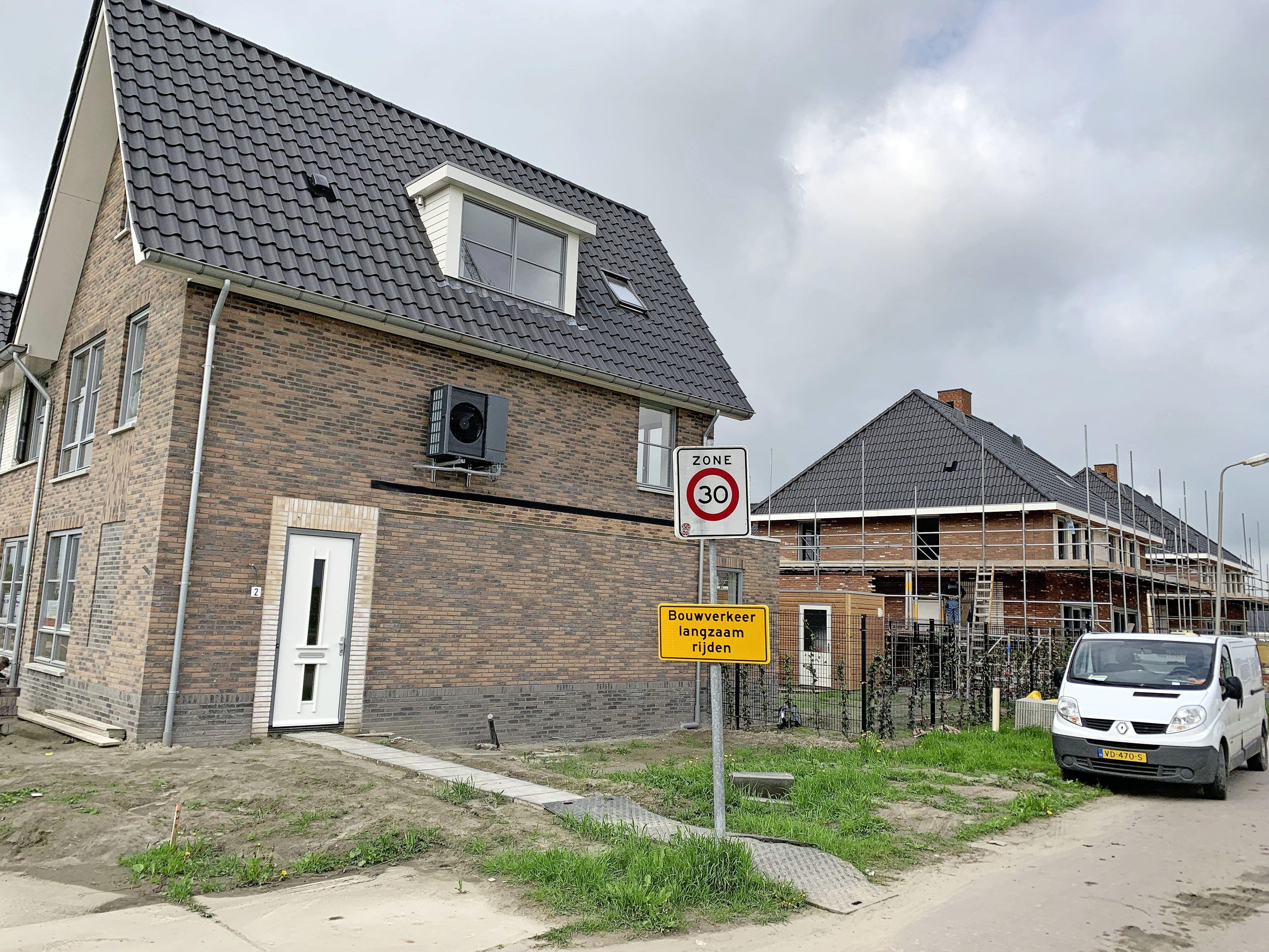 'Opmeer moet bouwgrond kopen en met voorrang aan eigen inwoners verkopen'. Dorpsraad wil rigoureuze oplossing woningkrapte