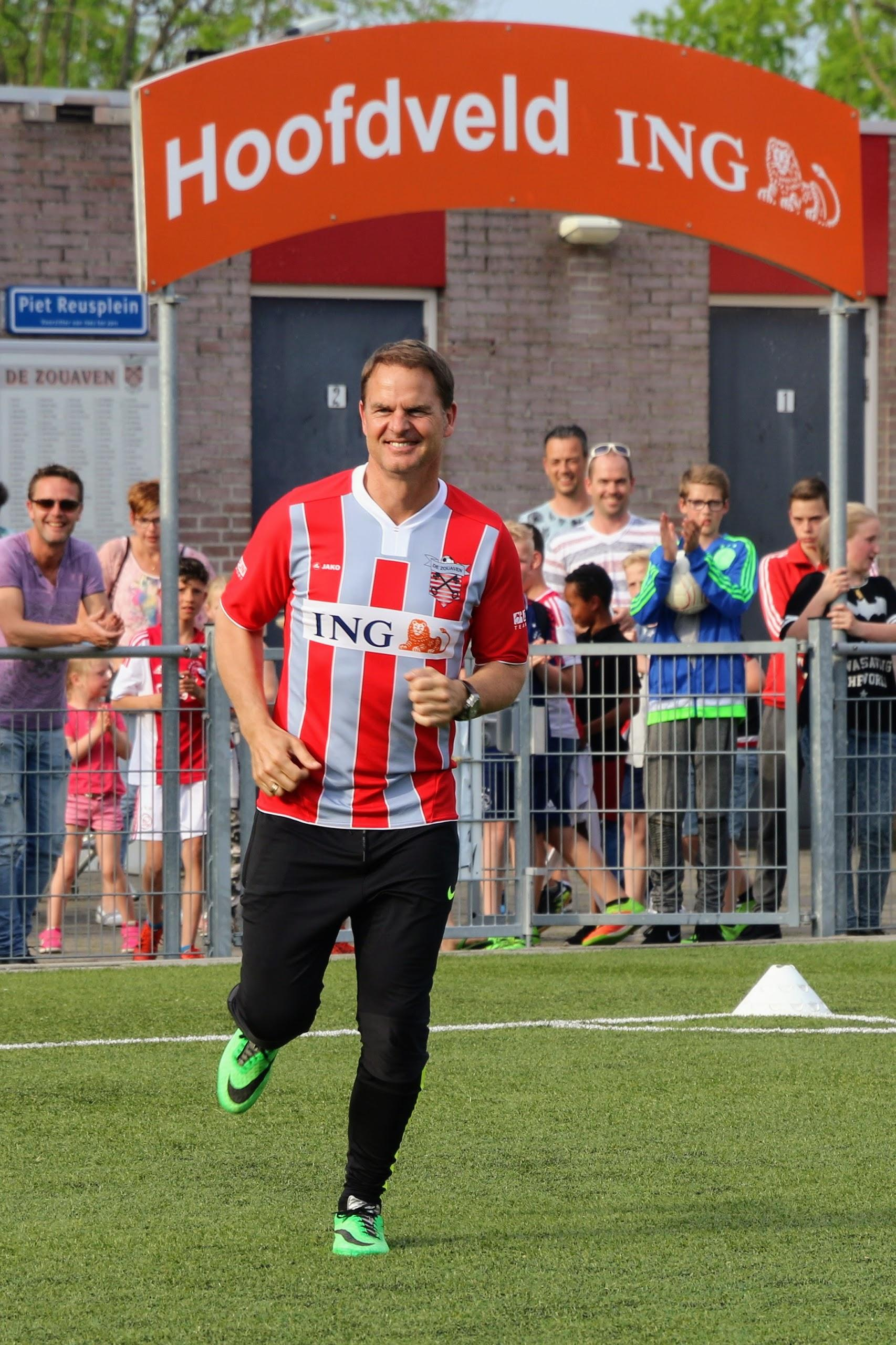 Frank de Boer, van West-Fries boertje tot bondscoach: 'Je zat nooit ontspannen te kaarten met Frank. De he-le tijd moest je opletten'
