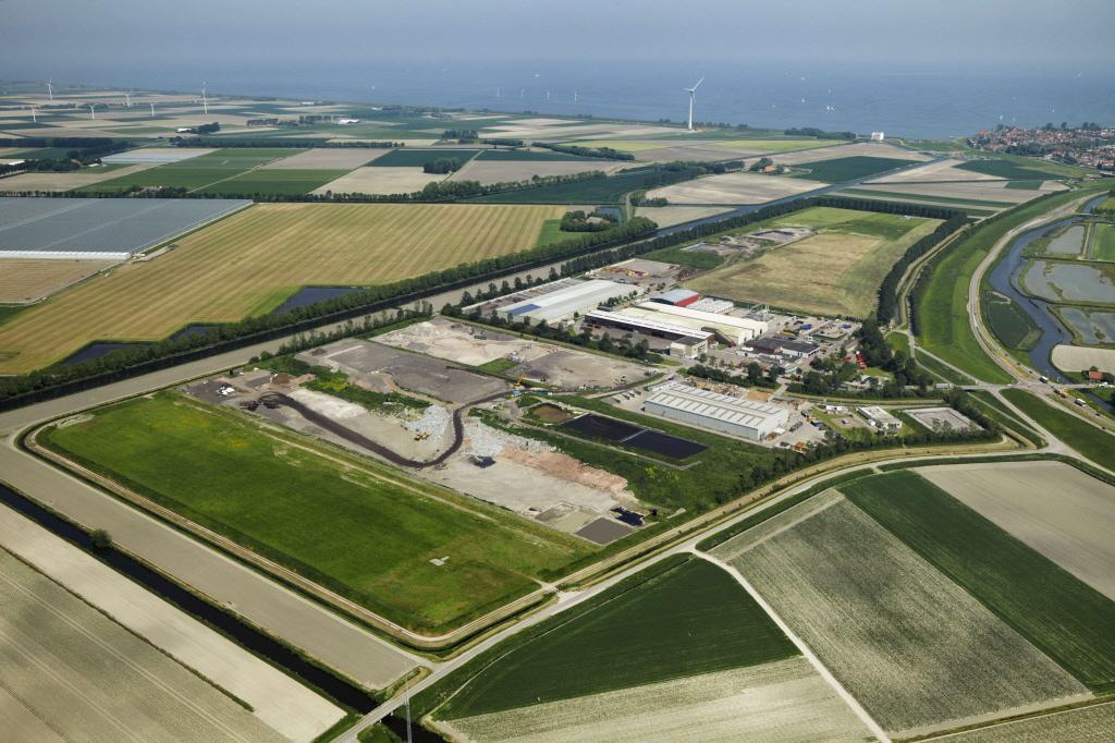 Zorgen in Medemblik om 'niet reinigbare' afvalstoffen Wieringermeer: 'Dat spul waarvan ze bij Defensie doodziek zijn geworden'