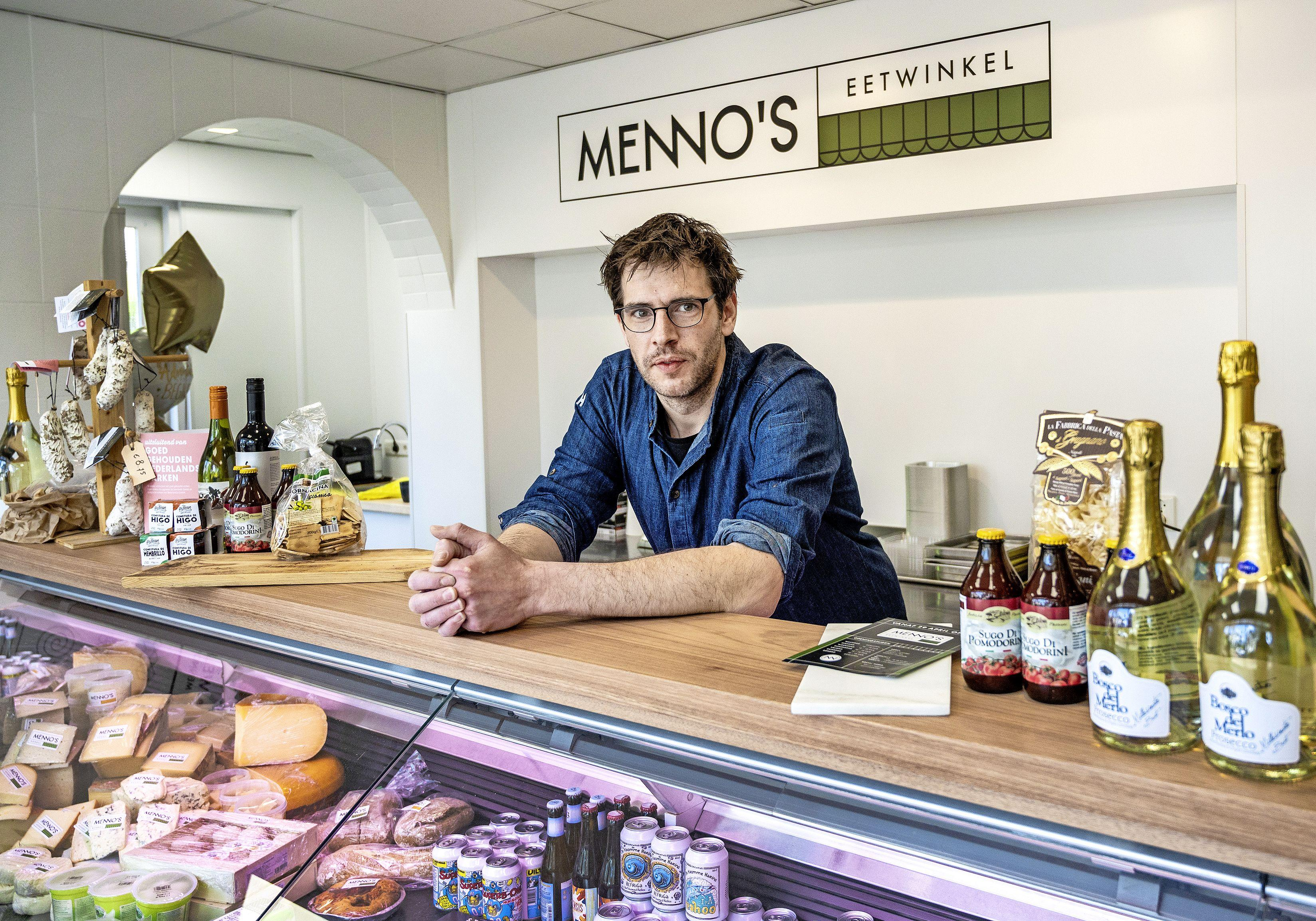 Menno Vreeburg begint een eetwinkel in vaders voormalige slagerij: 'Ze stonden bijna voor de deur te juichen toen ik aan het klussen was'