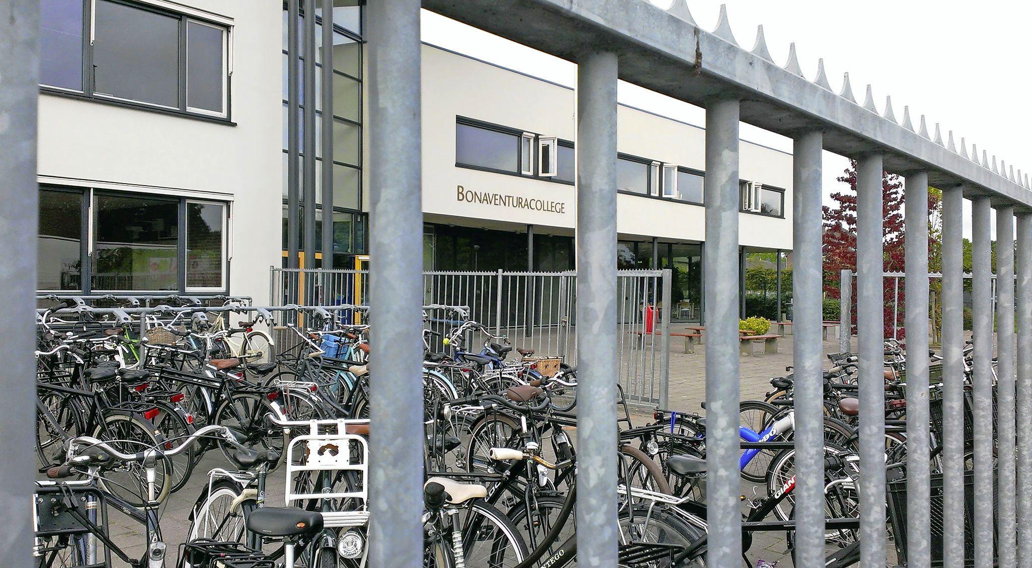 Verkoop Bonaventuracollege Roelofarendsveen is erg dichtbij gekomen en tegelijk ook weer niet