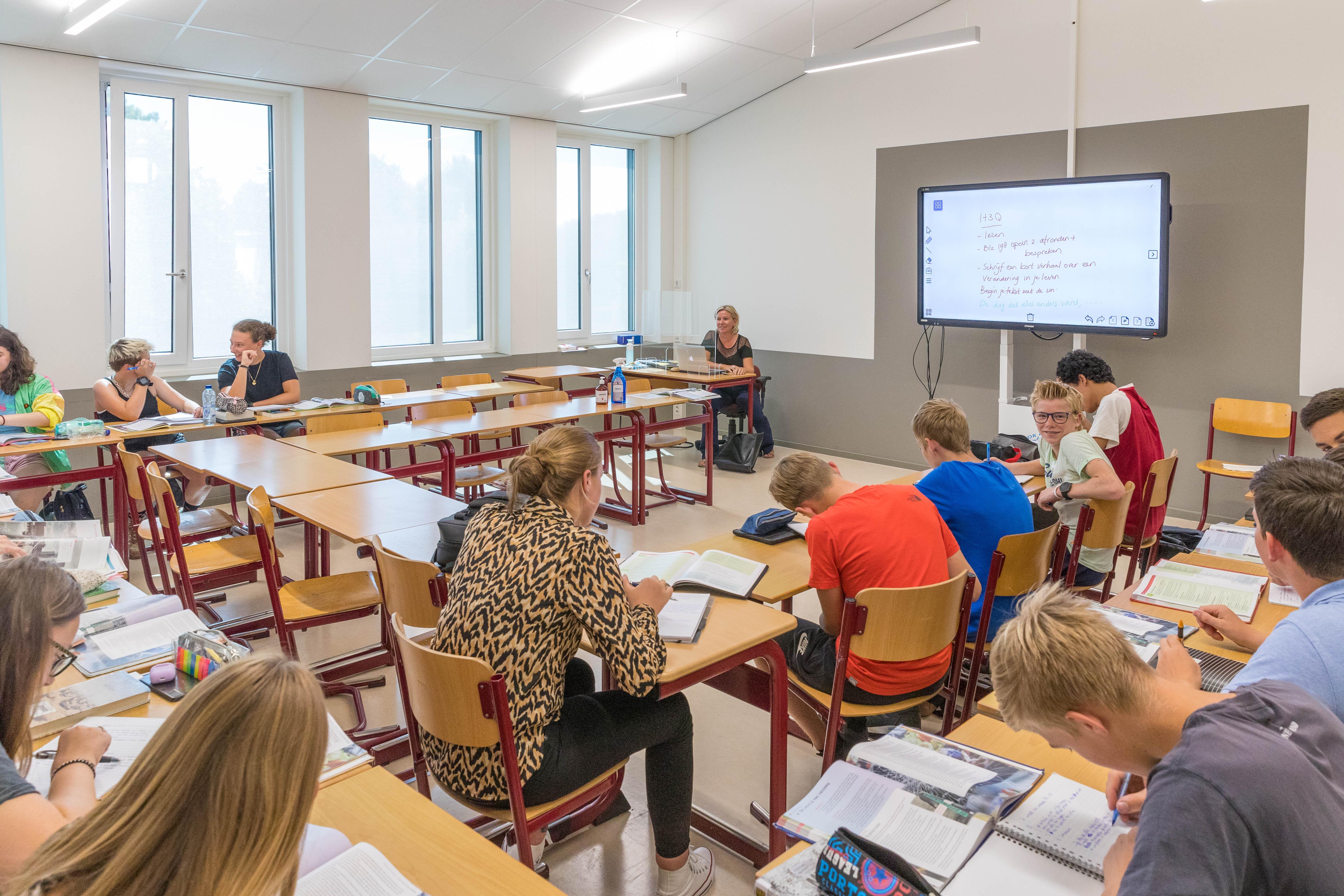 Alle ramen en deuren open: hoe staat het met de ventilatie op scholen? 'Er moet worden onderzocht hoe het precies zit'