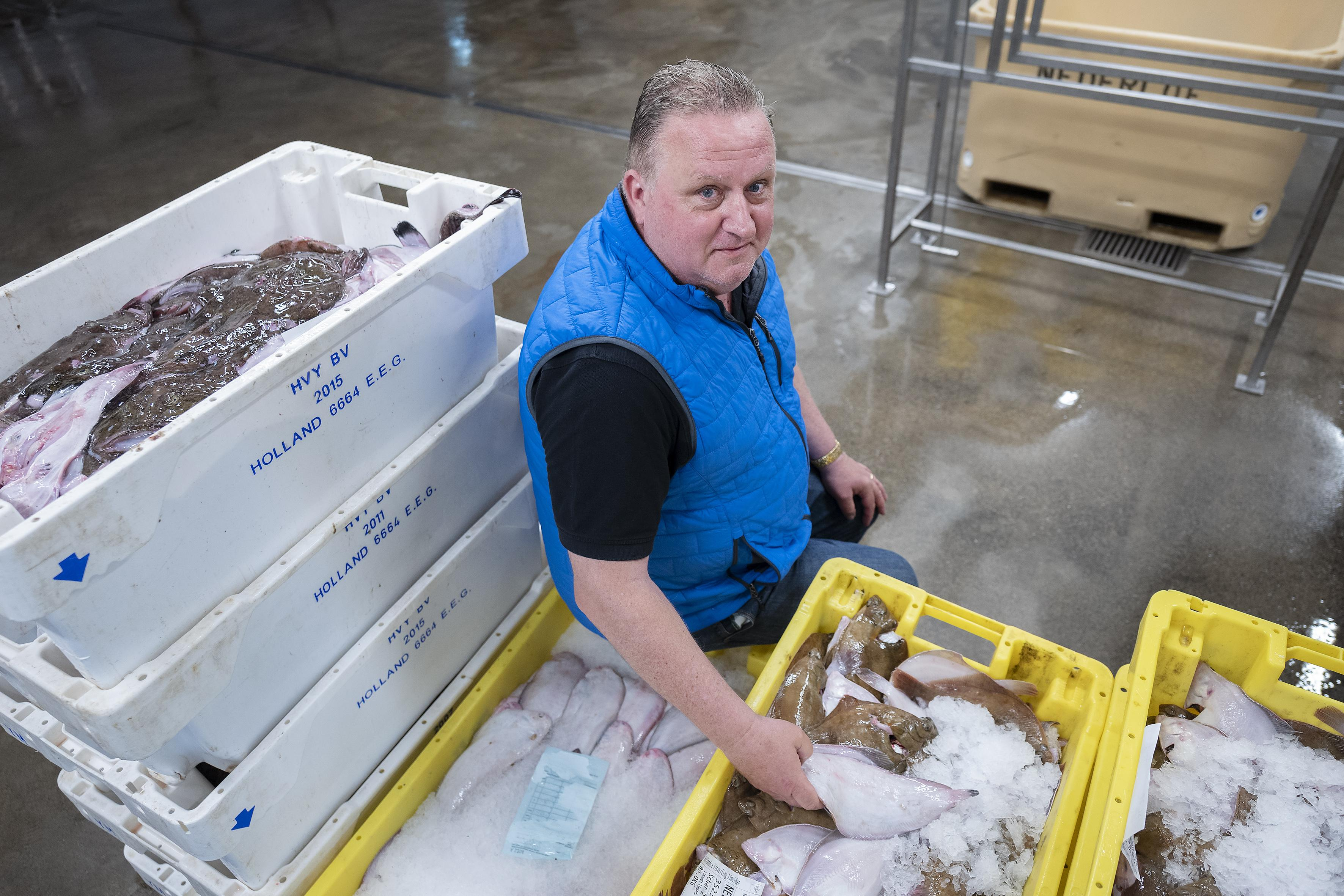Maarten Buitendijk van Nederlof's Vishandel blijft Italië en IJmuiden trouw. 'Ik ben de nieuwe strategisch partner van Telstar'. Naast het sponsorschap van dertien (!) andere clubs