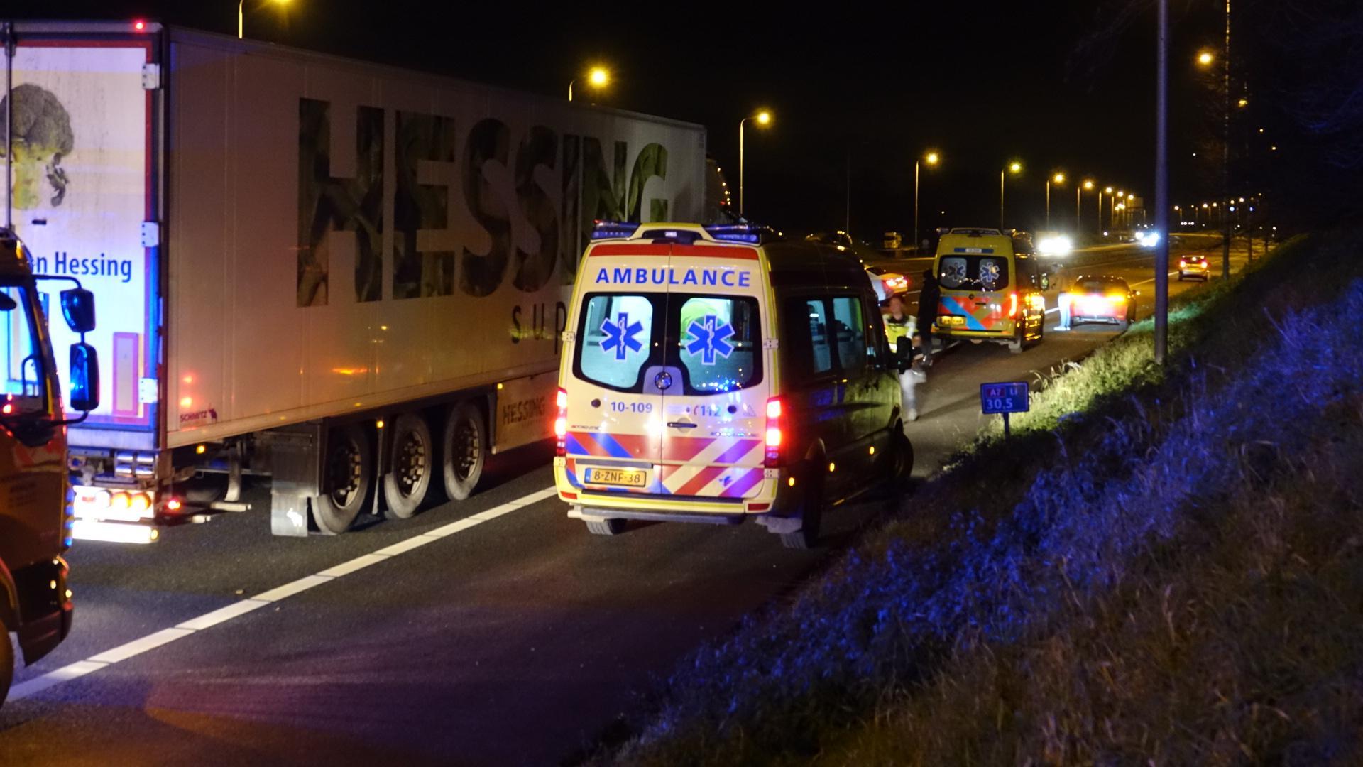 Drie gewonden bij ongeluk op de A7 bij Berkhout, weg afgesloten [update]