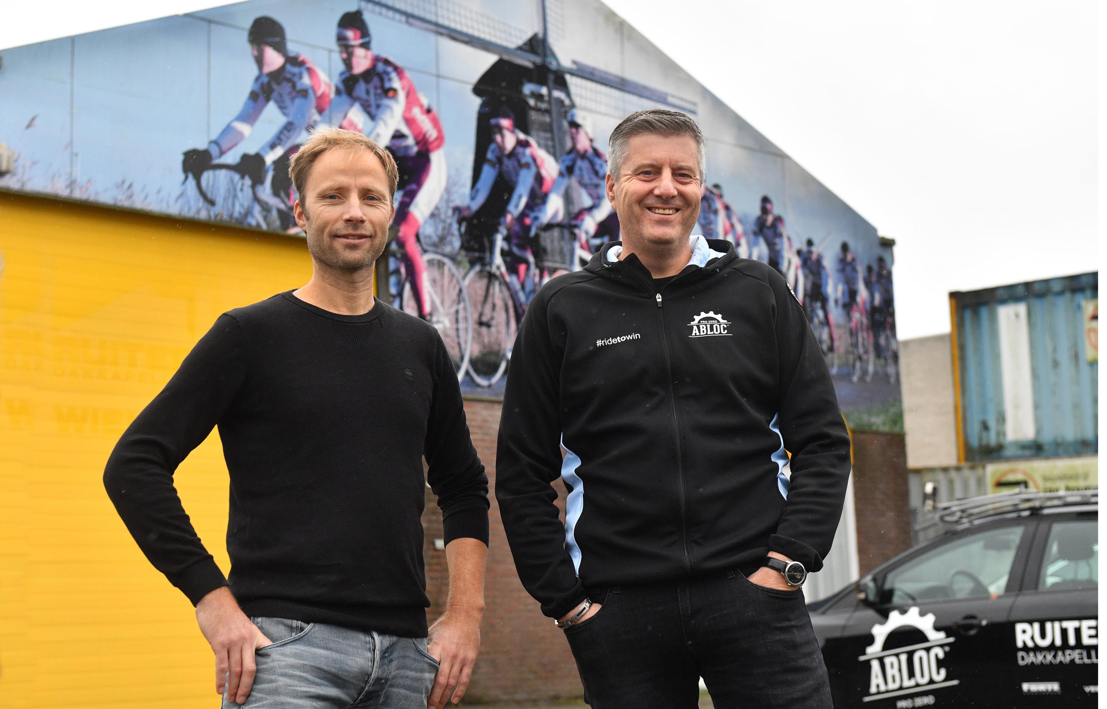 De Noord-Hollandse wielerploegen (m/v) van Paul Tabak en Raymond Rol hadden succes in 2020, maar niet nog zo'n seizoen graag