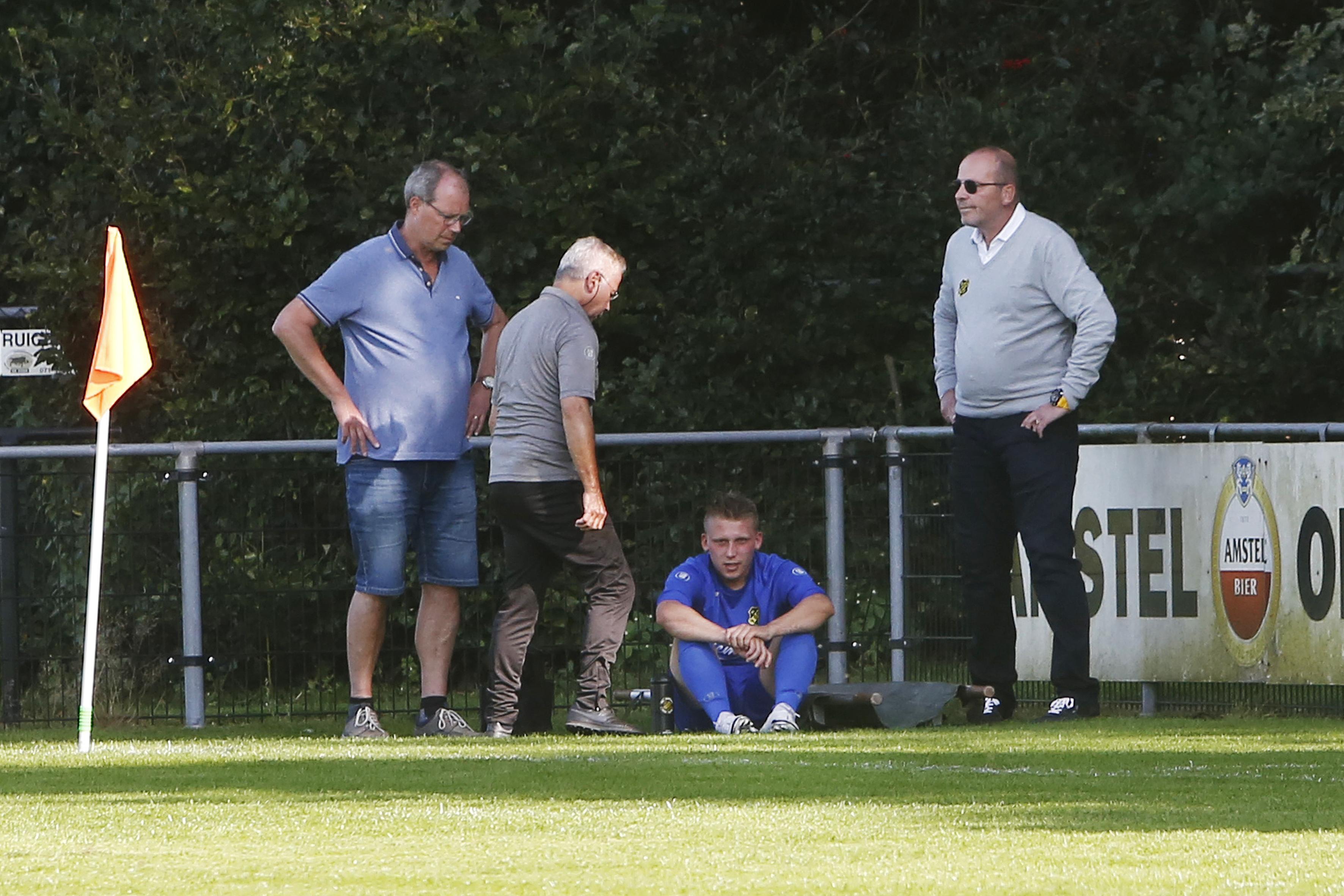 Hilversummer Scott de Vos (22) werd onwel op het voetbalveld: 'Ik moest wel even aan Blind en 'Appie' denken'