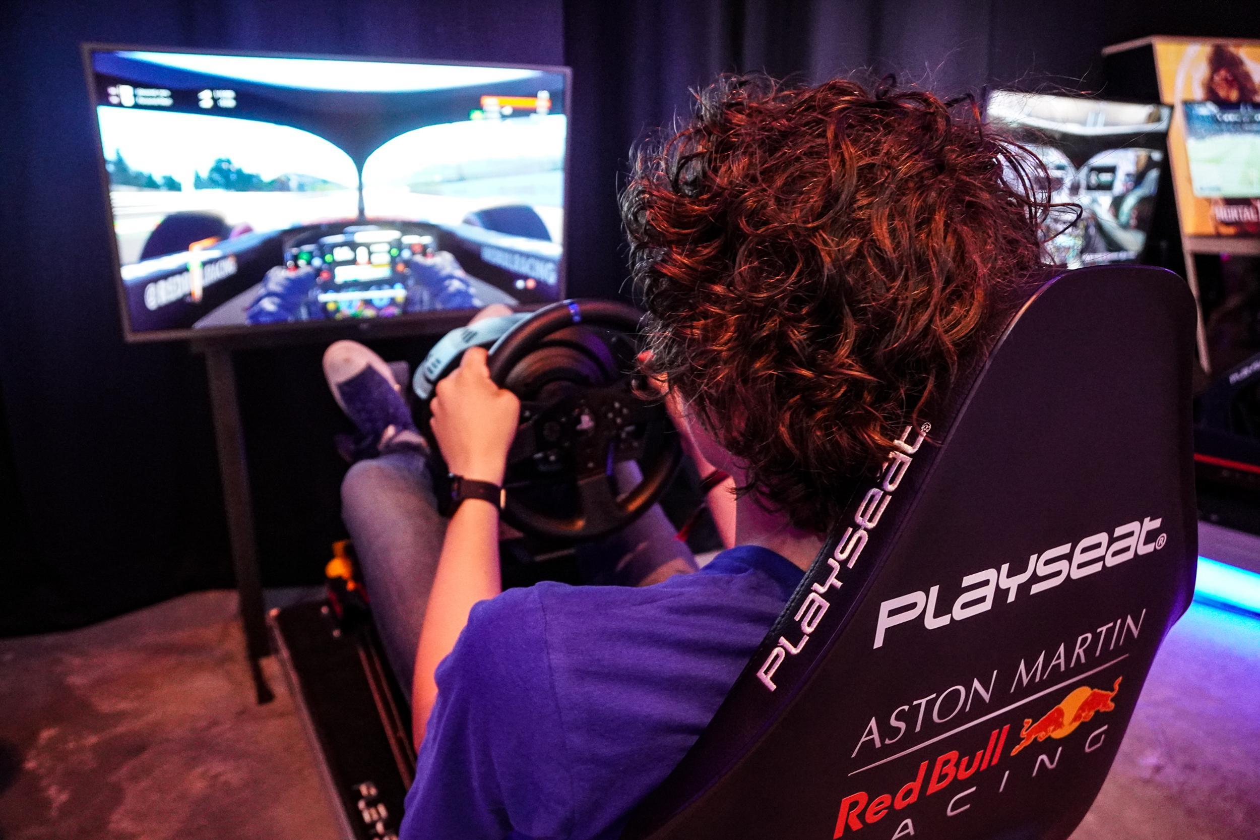 Tijd om jeugd ook in Tuitjenhorn van de straat te houden met GameDay. Vanaf donderdag kunnen ze Fifa, Fortnite en Call of Duty doen in brede school De Hoge Akker