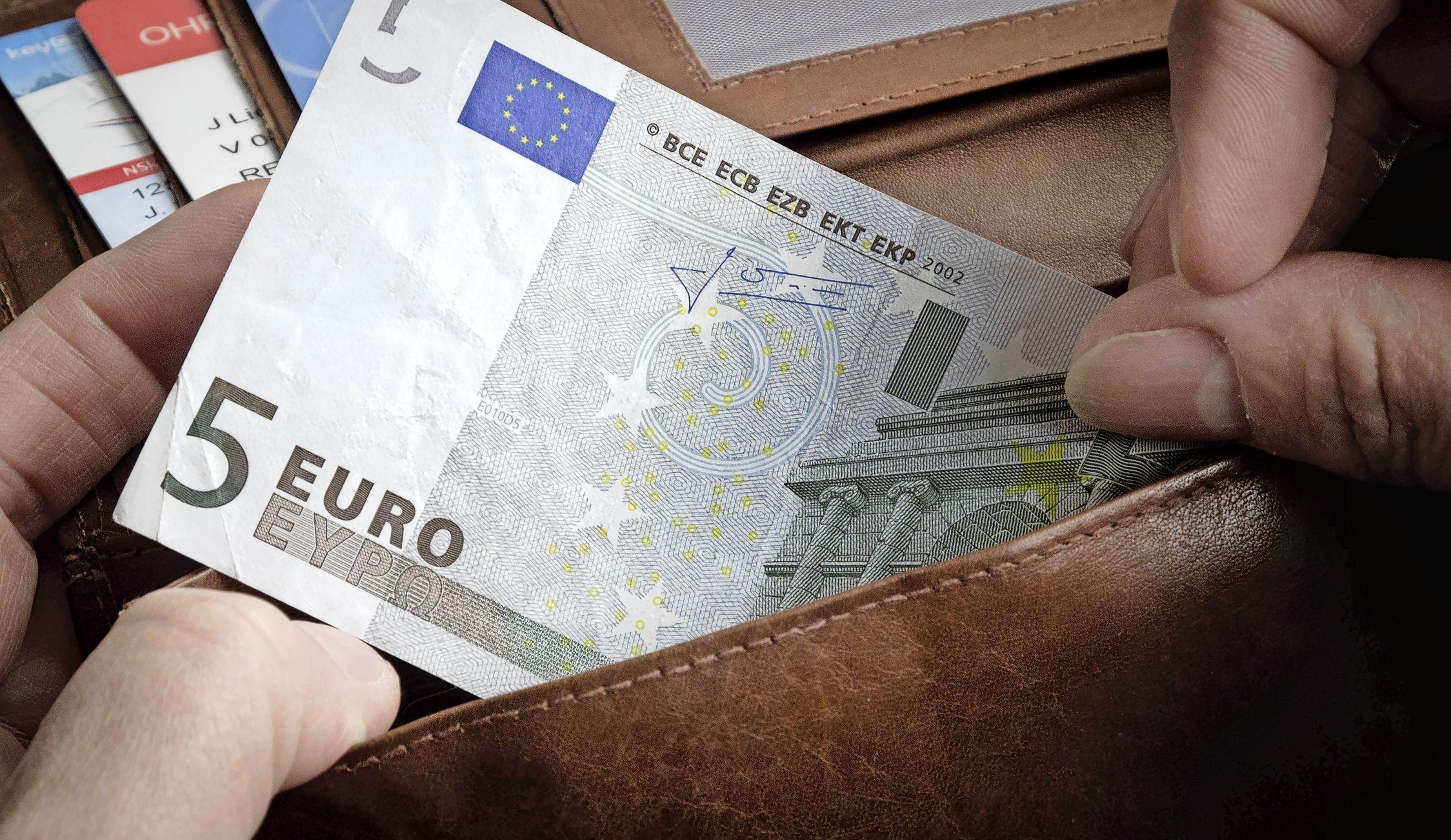 Bijstandsgerechtigden mogen niet honderden euro's per maand bijverdienen, dus Den Helder gaat niet beginnen aan experimenten zoals in Amsterdam