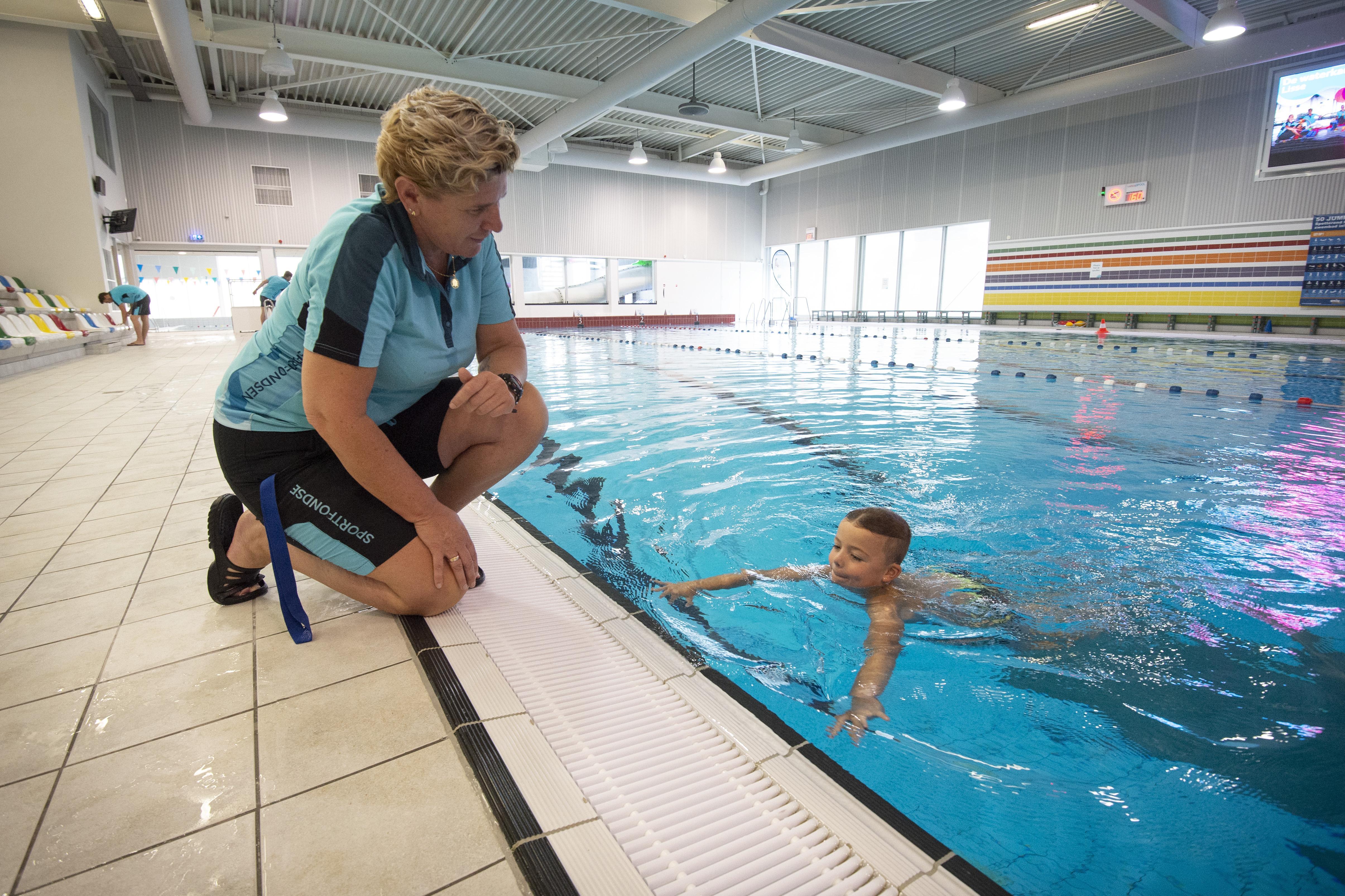 Heropening zwembad De Waterkanten in Lisse uitgesteld onder meer vanwege legionella
