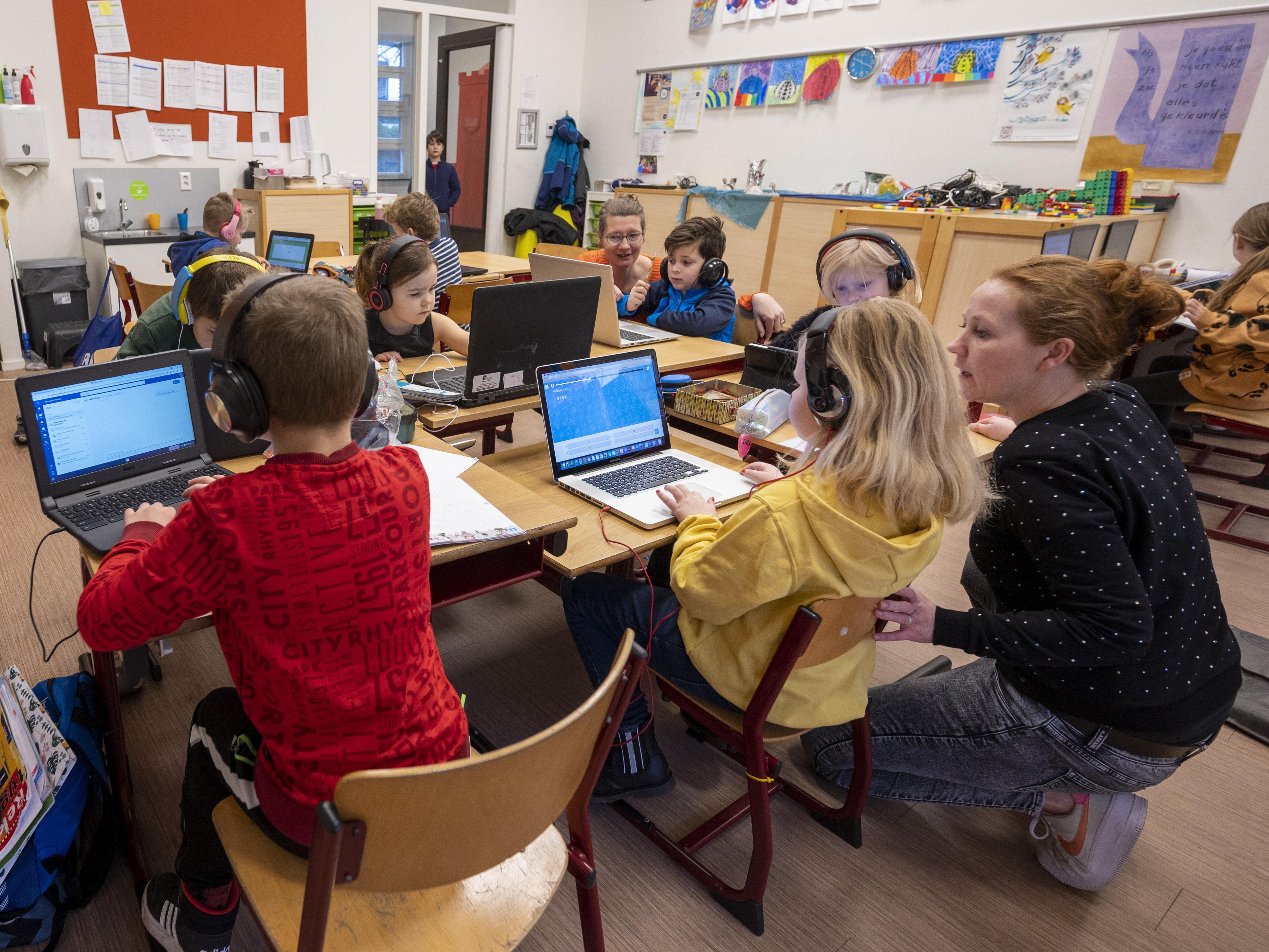 De druk op de noodopvang bij basisscholen neemt flink toe: 'De druk wordt alleen maar hoger, want ouders zitten steeds meer in de knel. We barsten net niet uit onze voegen'