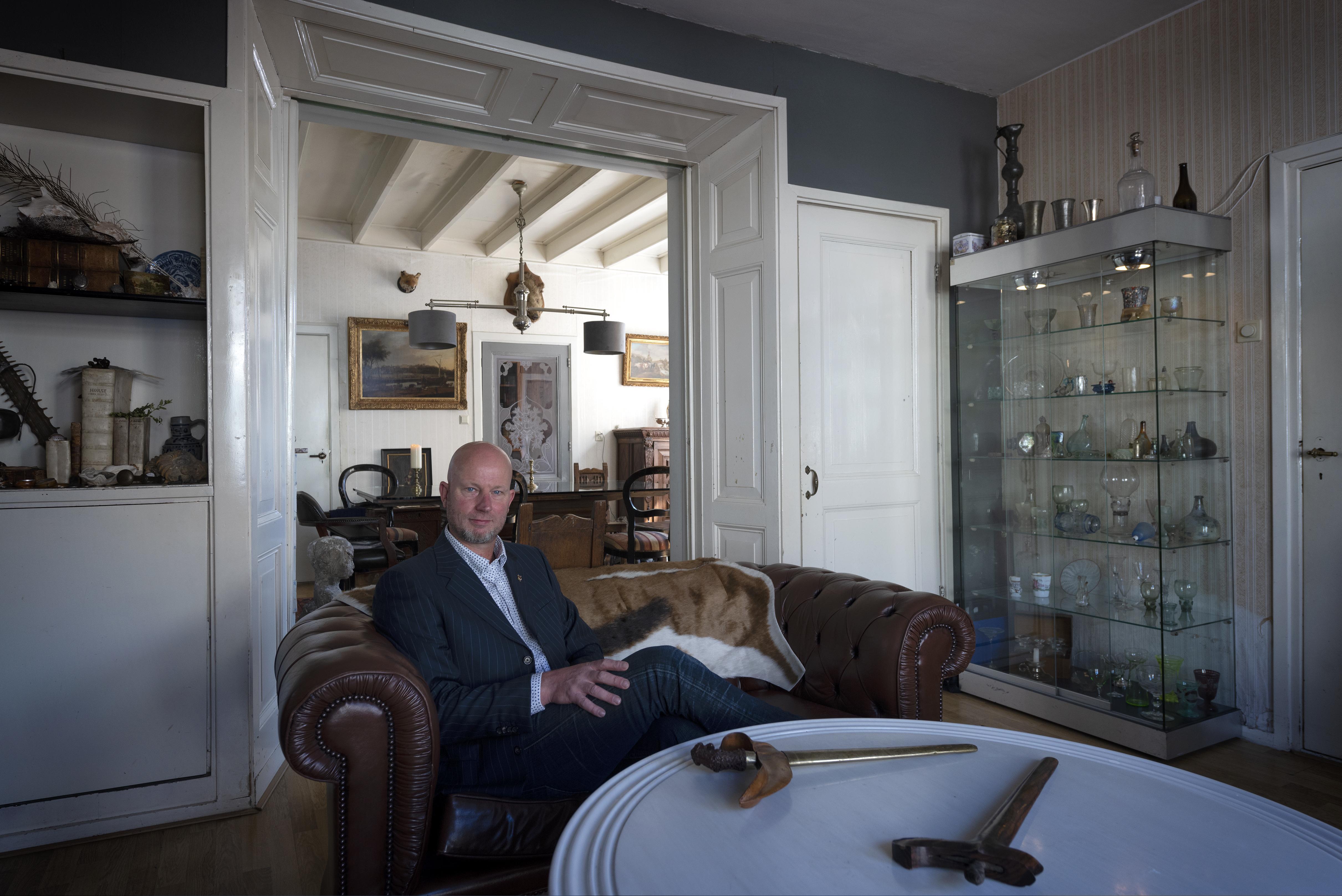 'Je doet het niet om het hebben', vindt  glasverzamelaar (en taxateur) Zoetmulder