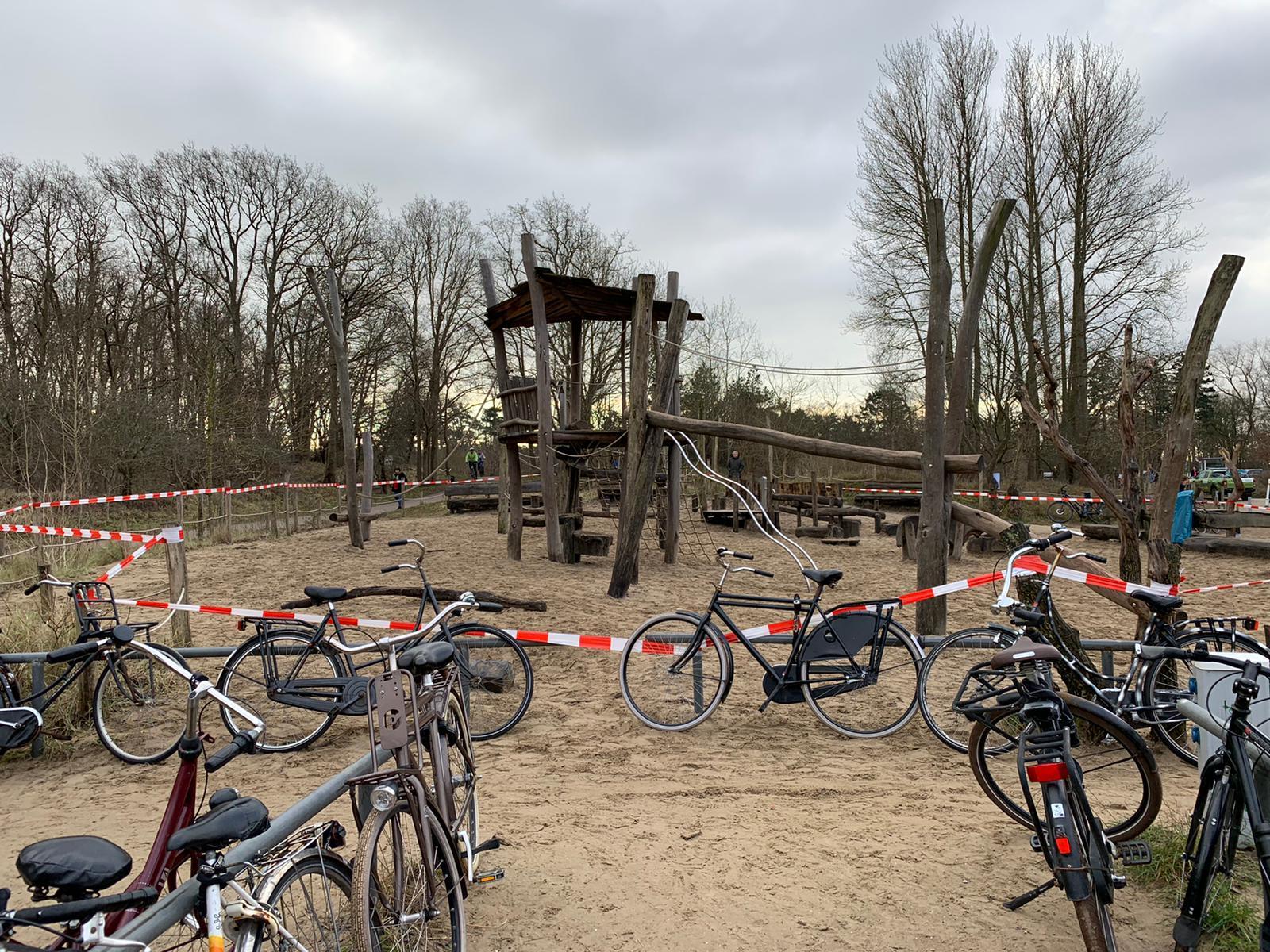 Opnieuw drukte verwacht in natuurgebieden bij Haarlem; PWN sluit uit voorzorg speeltuin bij het Wed in Overveen