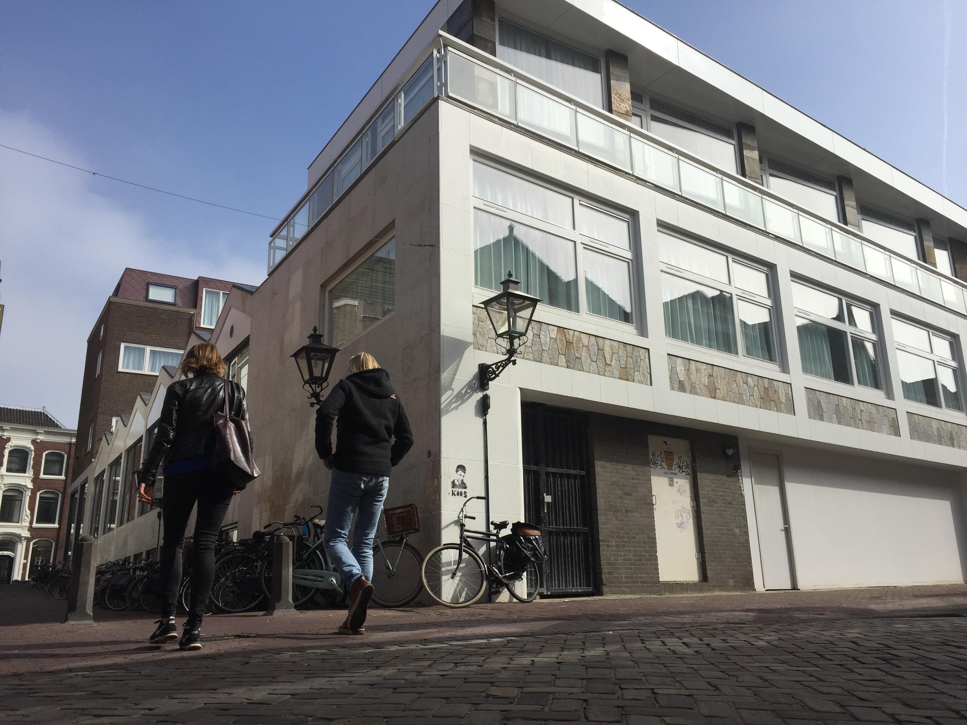 Wijk hekelt plan voor restaurant aan de Leidse Langebrug