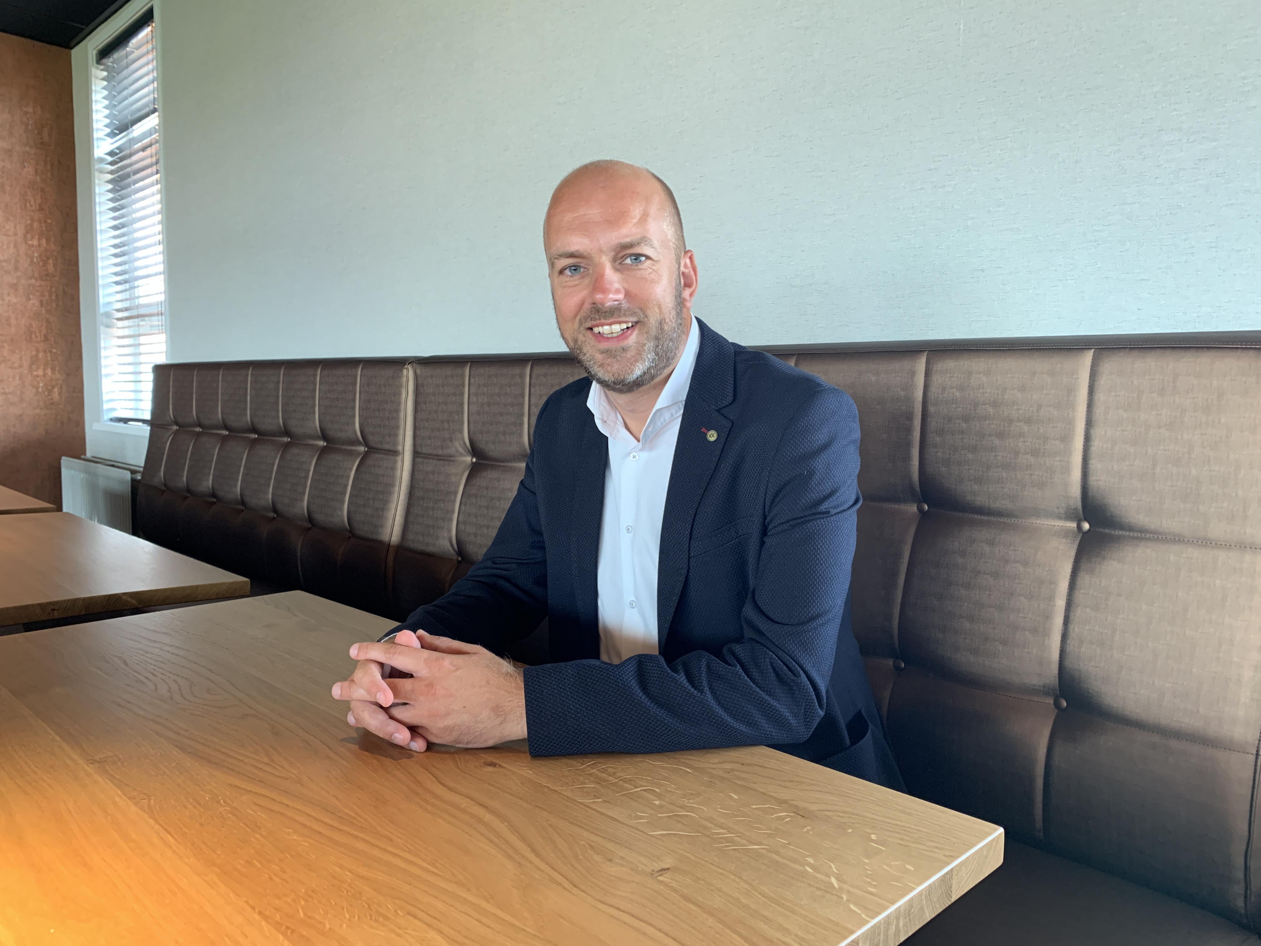 FC Volendam-directeur Richard de Weijze wordt niet vrolijk van nieuwe coronaregels kabinet: 'Dit is zuur want we hadden het juist goed voor elkaar'