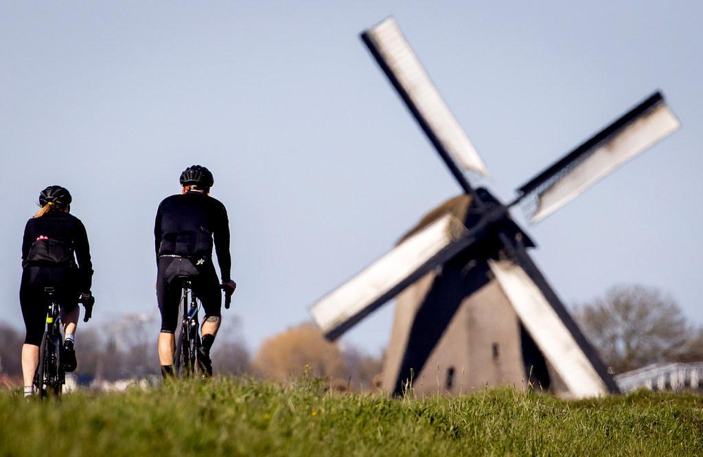 Man die op de Slimdijk een racefietser met een gummiknuppel sloeg is gepakt: een hardrijder zonder rijbewijs