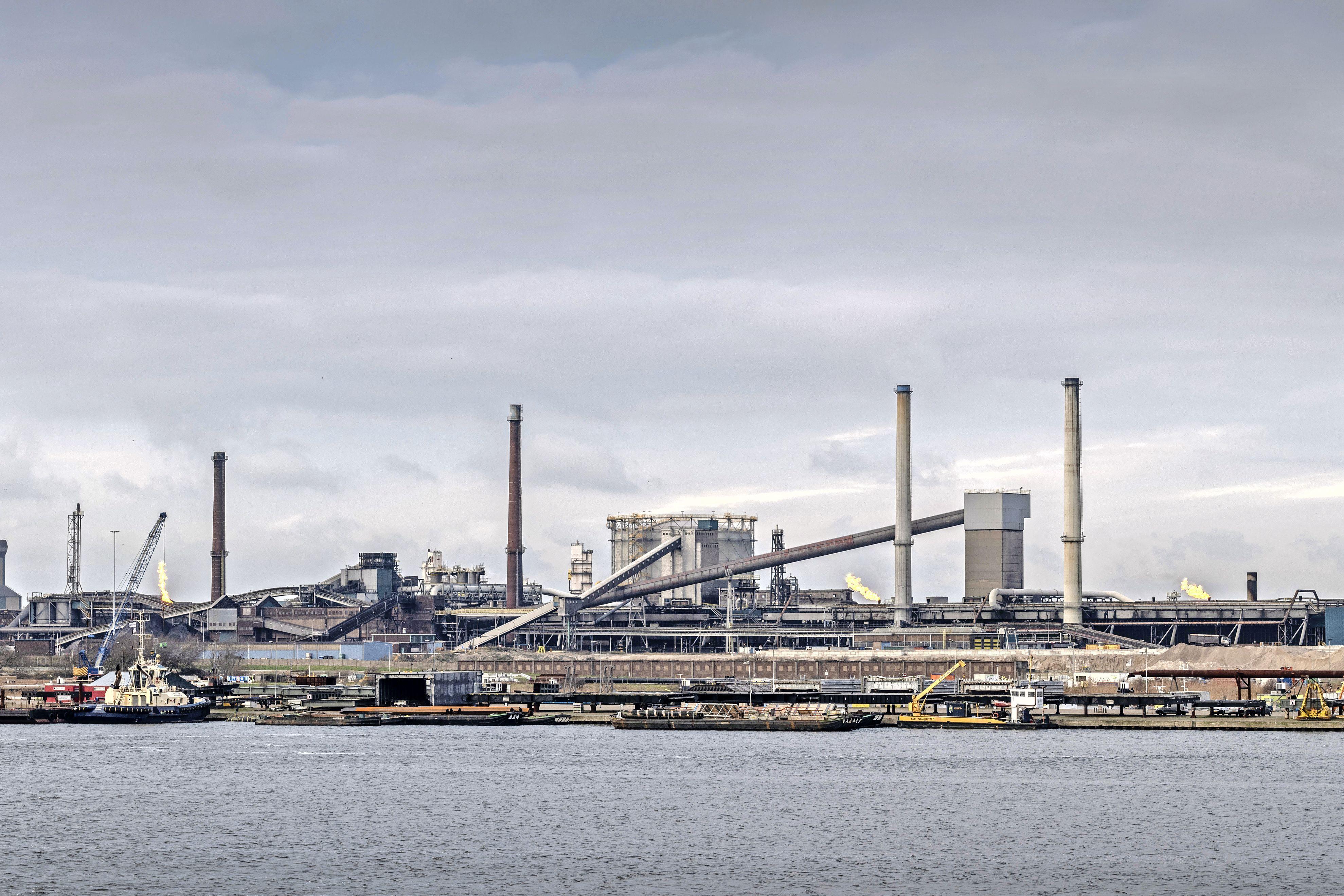 Bewoners boos op Velsen: doen nu toch aangifte tegen Tata Steel