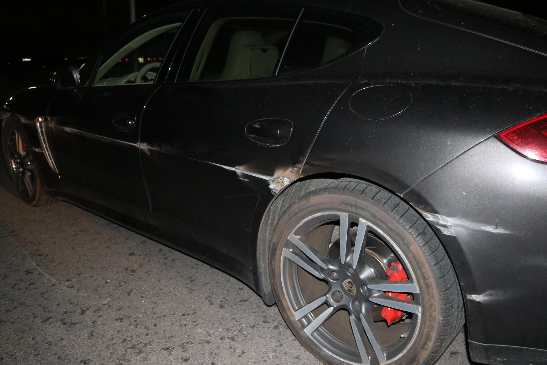 Automobilist snijdt Porsche af op de A44 in Sassenheim en rijdt door