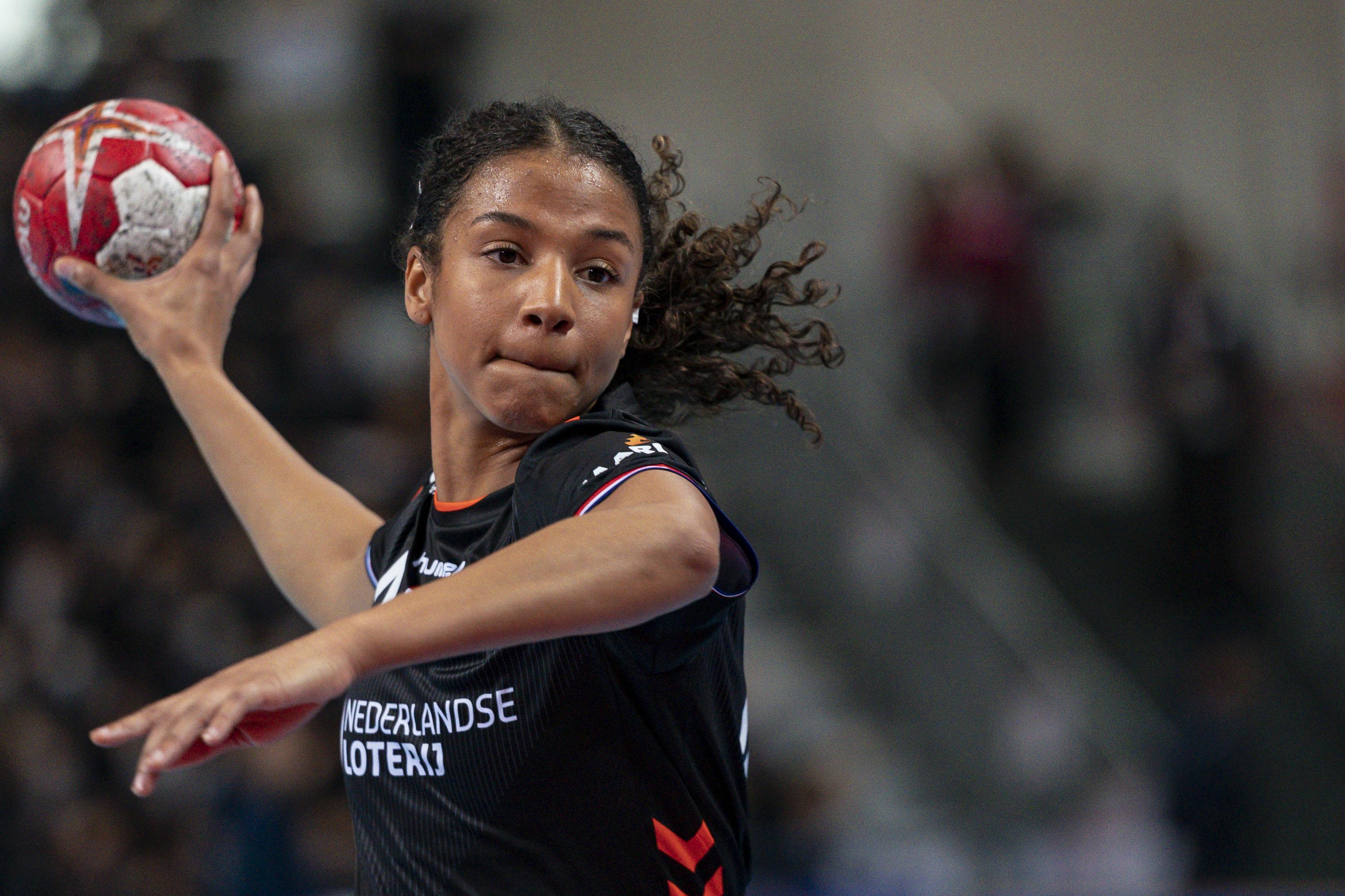 Handbalselectie dunt steeds verder uit, ook Delaila Amega kan door blessure niet mee naar Tokio