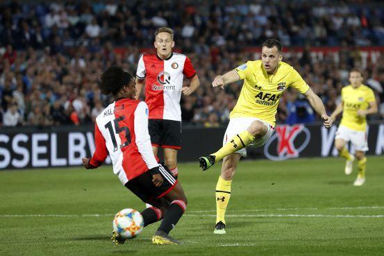 AZ moet na nederlaag bij Feyenoord hopen op Ajax [video]