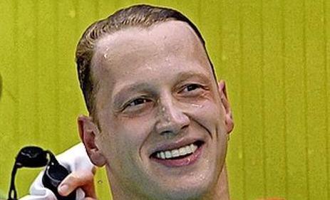 Ferry Weertman: 'Mijn haar laat ik kort knippen. Maar dan ook echt heel kort. Niet schrikken dus als ik m'n badmuts af zet'