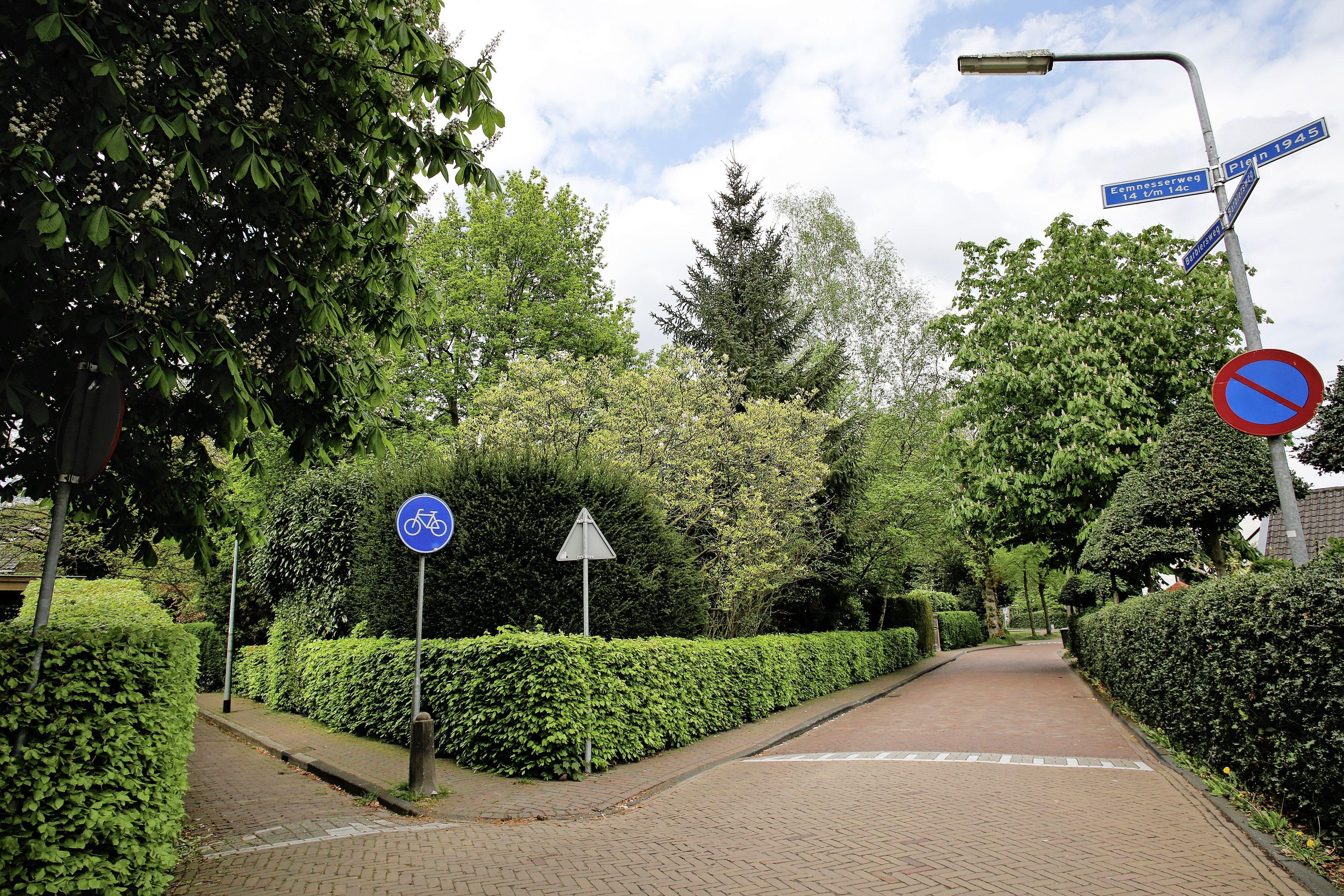 'Bied je ouderen een fijn huis om te wonen? Of behoud je de bomen?'; College stemt in met zes sociale huurwoningen bij de Larense Kweek