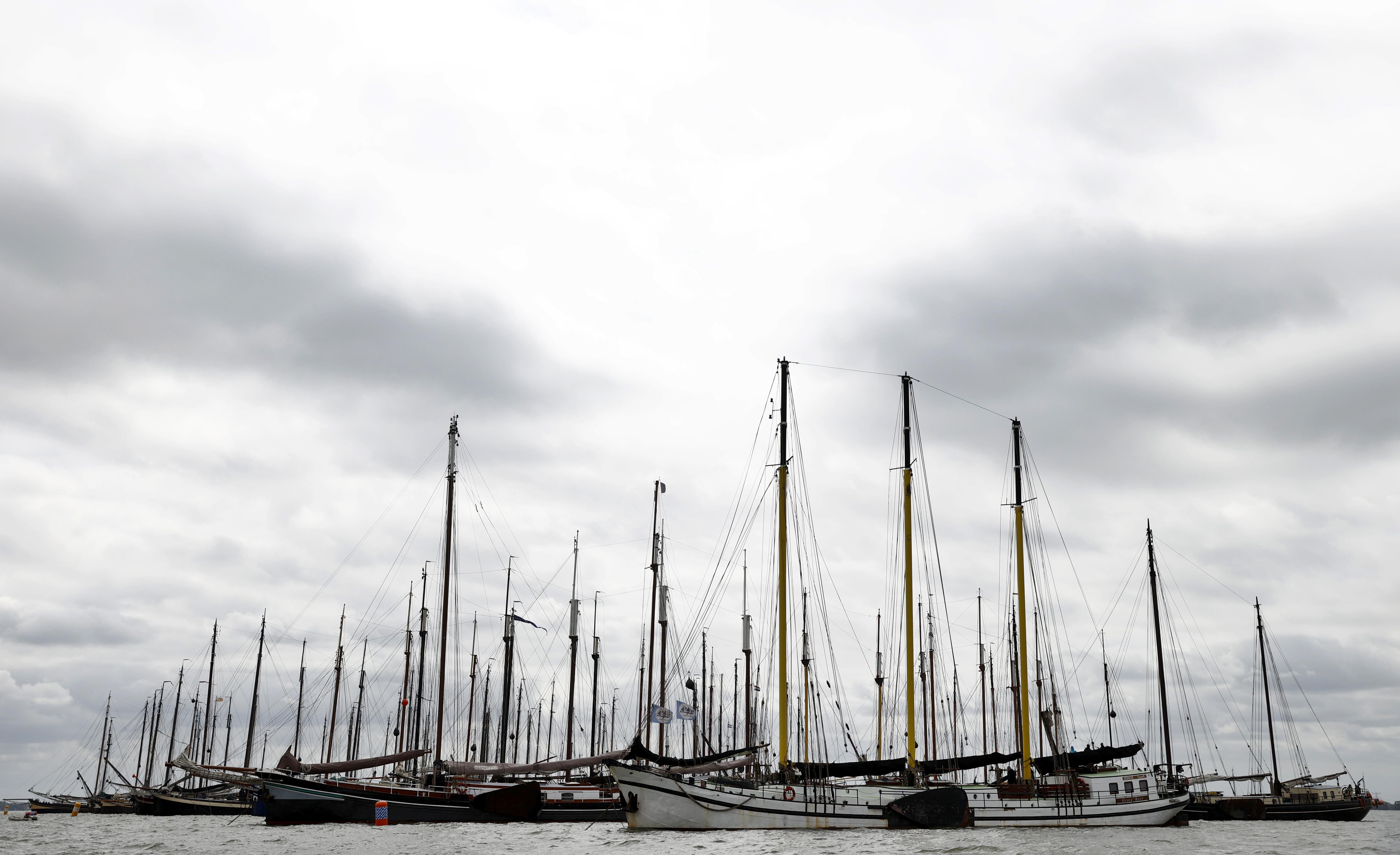 Actie van 175 historische zeilschepen bij Pampus: bang dat ze ten onder gaan door coronacrisis [video]