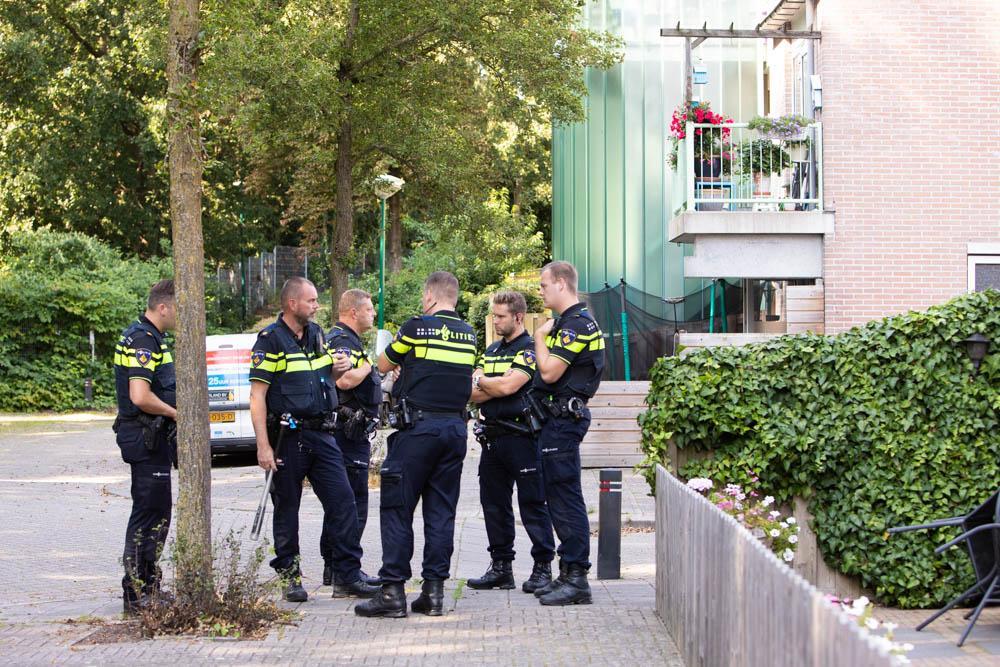 Politie stopt vechtpartij in Baarn en neemt honkbalknuppel in beslag