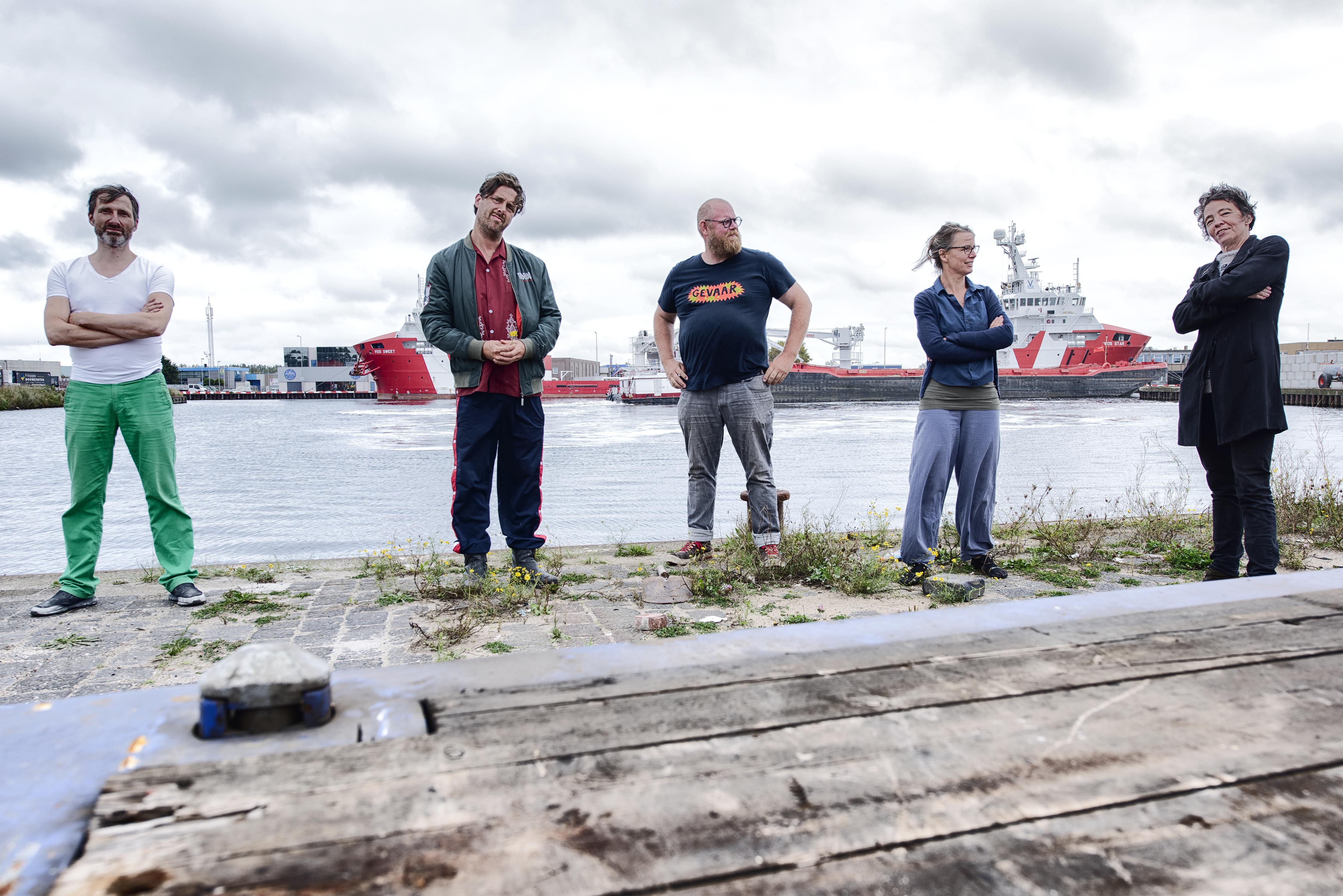 Kunstmanifestatie 'Werken' in Beverwijk: Steven de Peven maakt het havengebied en zichzelf van kant. 'Ik ga kanten oma-gordijntjes aan een stoplicht hangen'